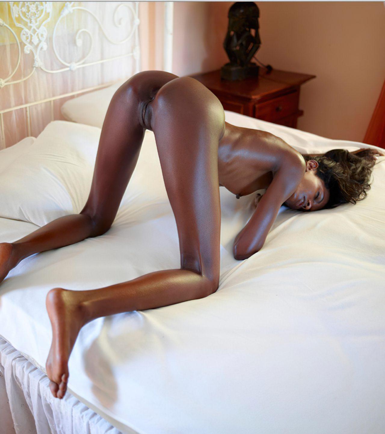 Negra Sensual Preparada para Fazer Sexo