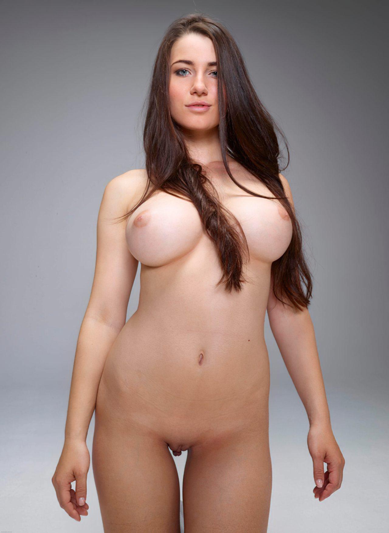 Yara, uma Modelo Erótica