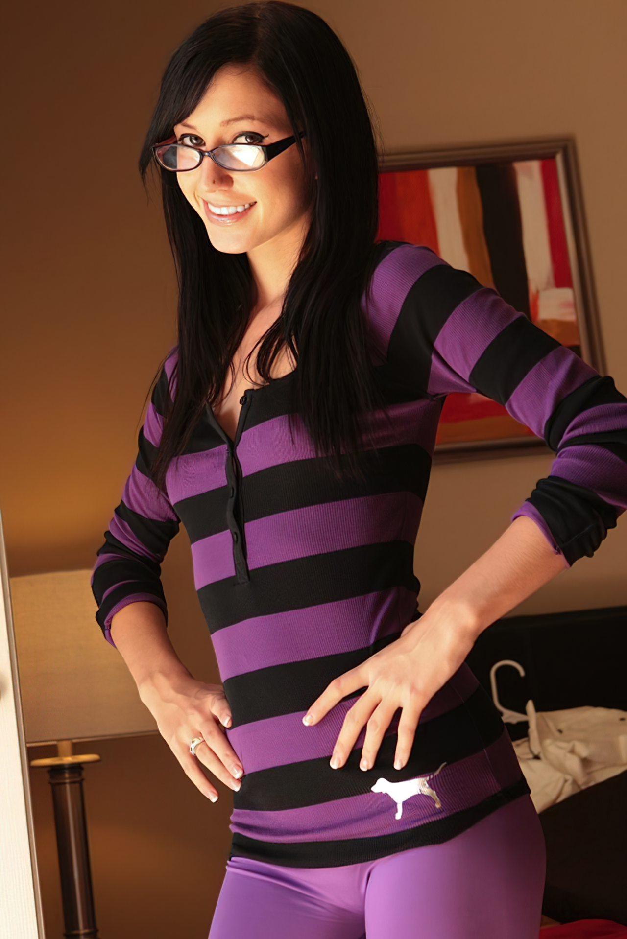 Catie Minx (30)