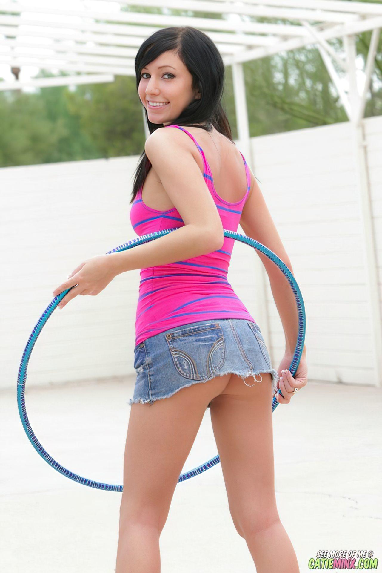 Catie Minx (2)