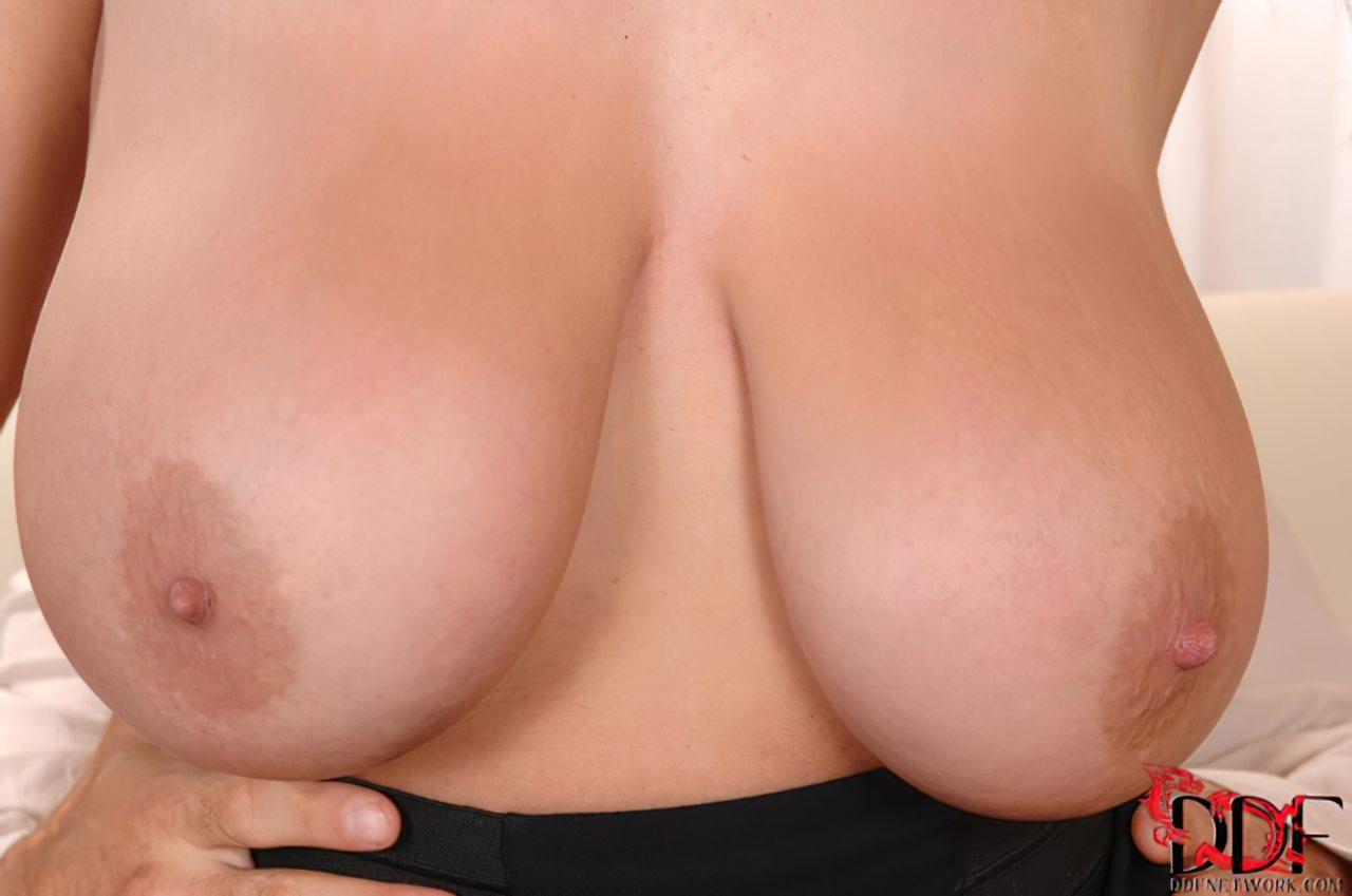 Eva Notty (53)