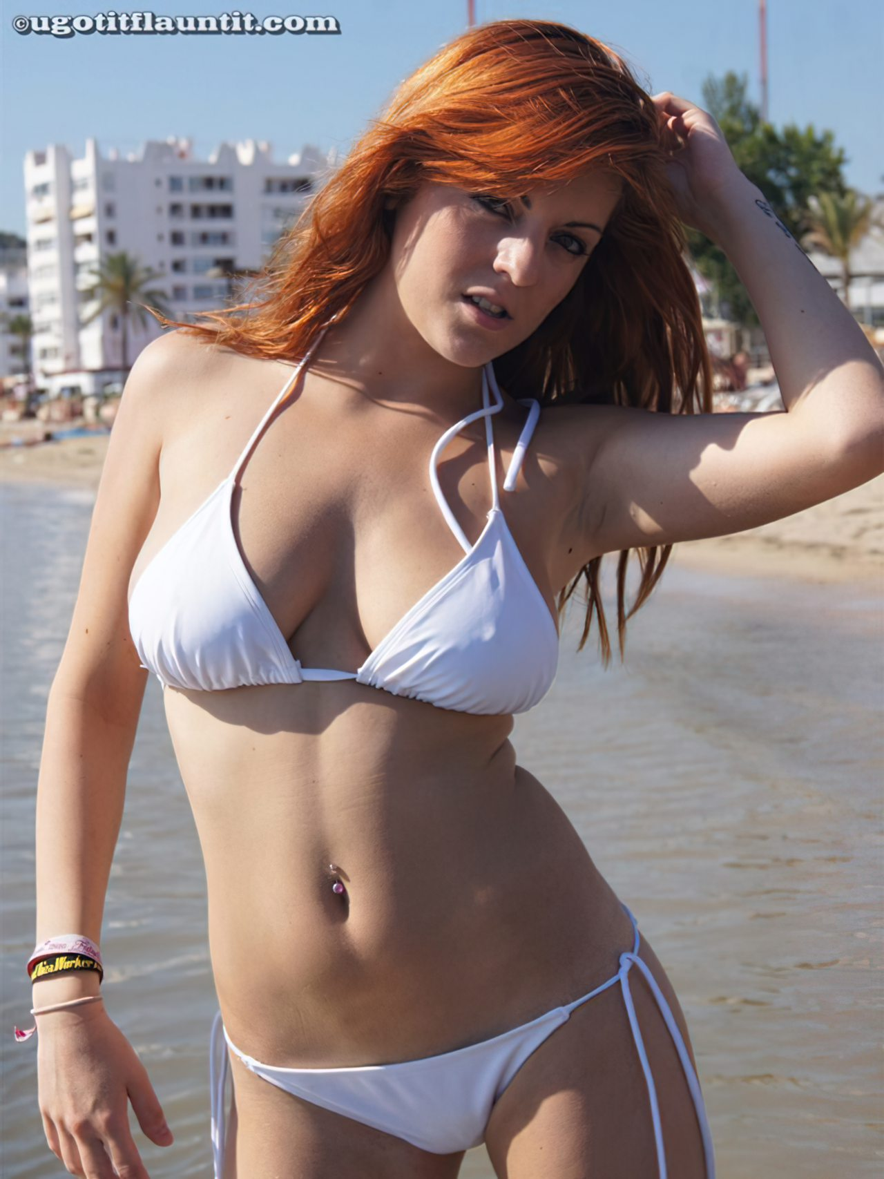 Ruiva na Praia (2)