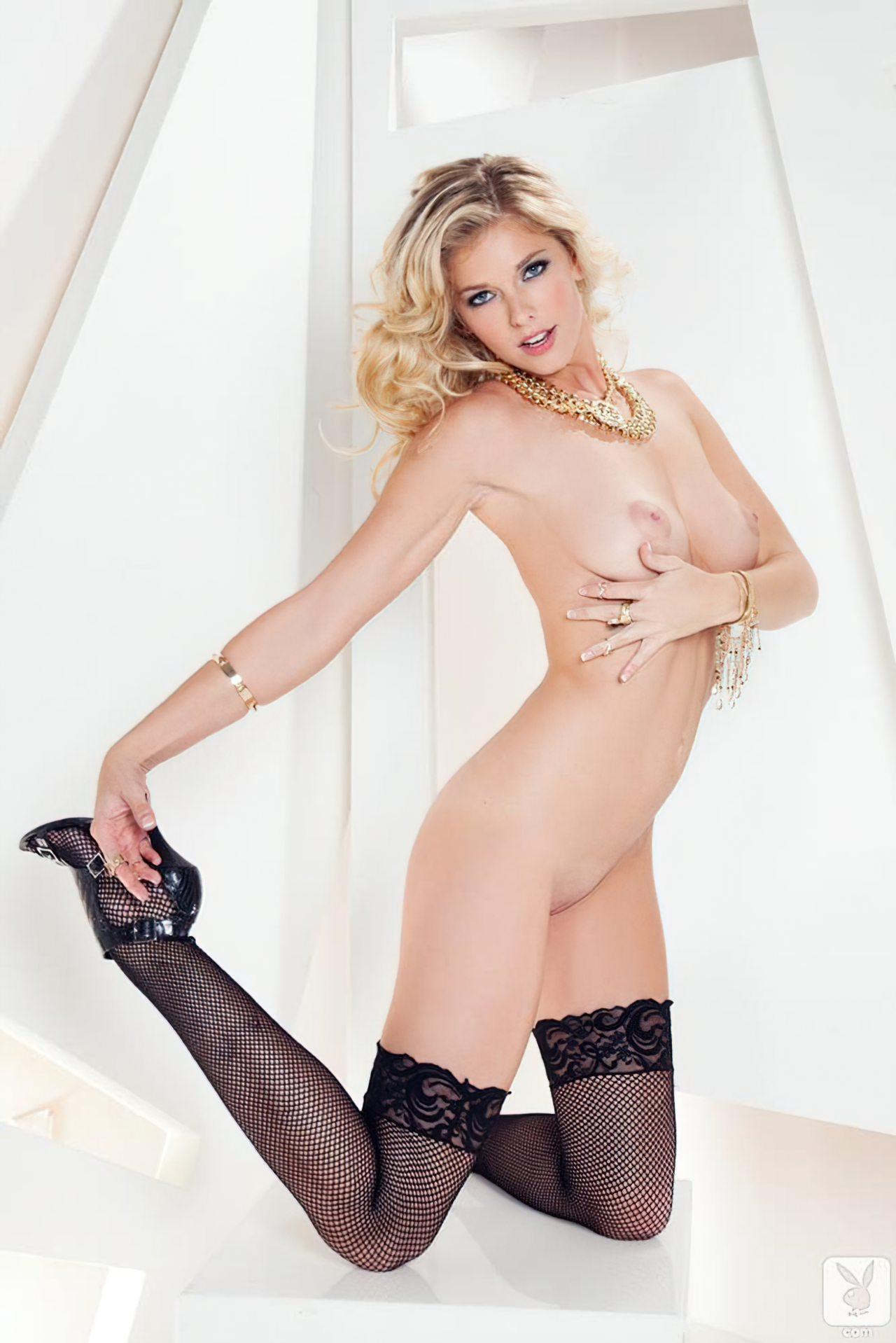 Victoria Winters (7)