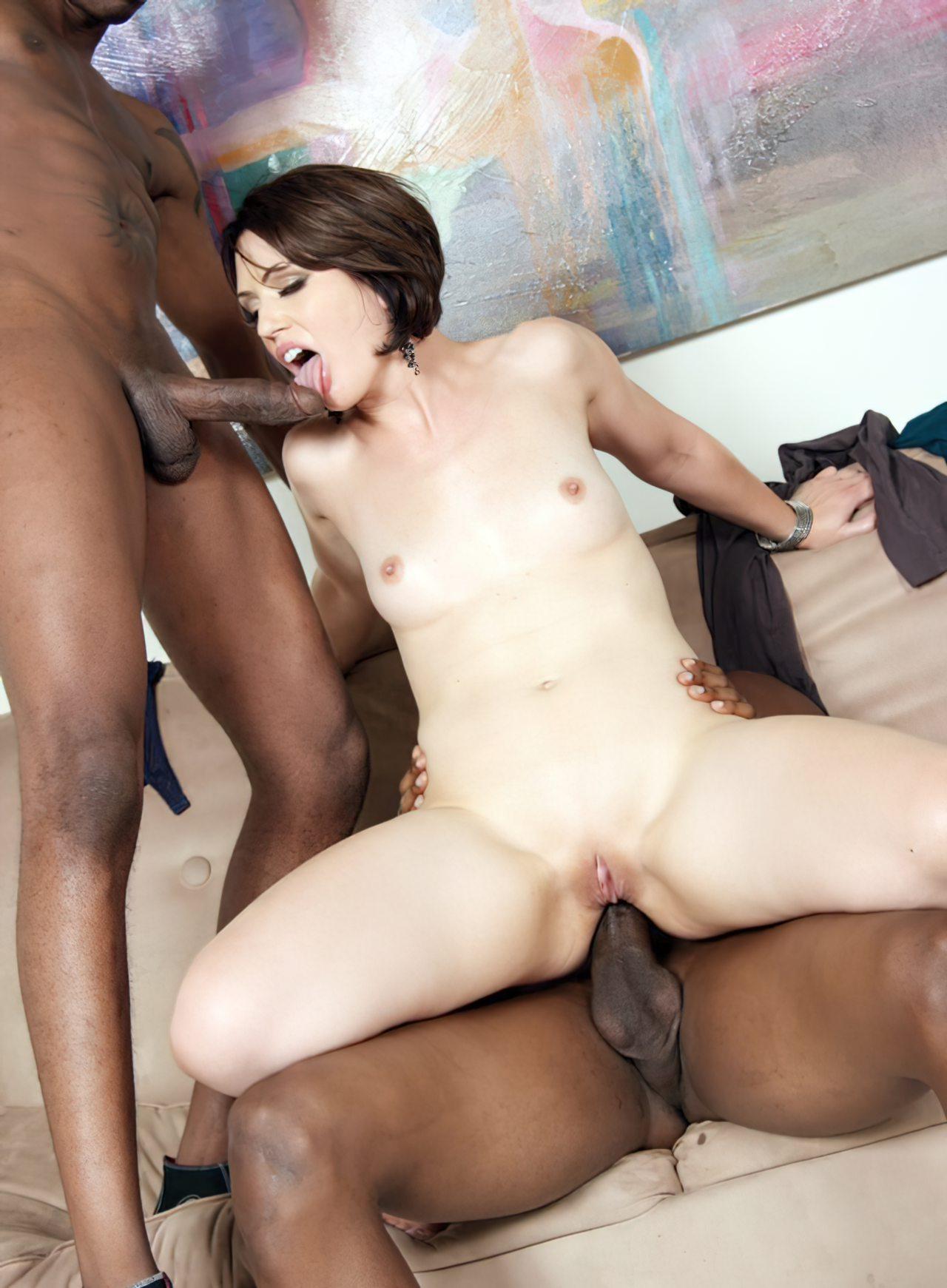 Mulher Fazendo Sexo com Dois Negros