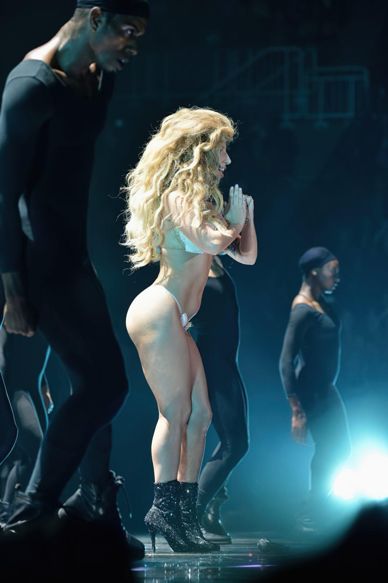 Lady Gaga Biquini (3)