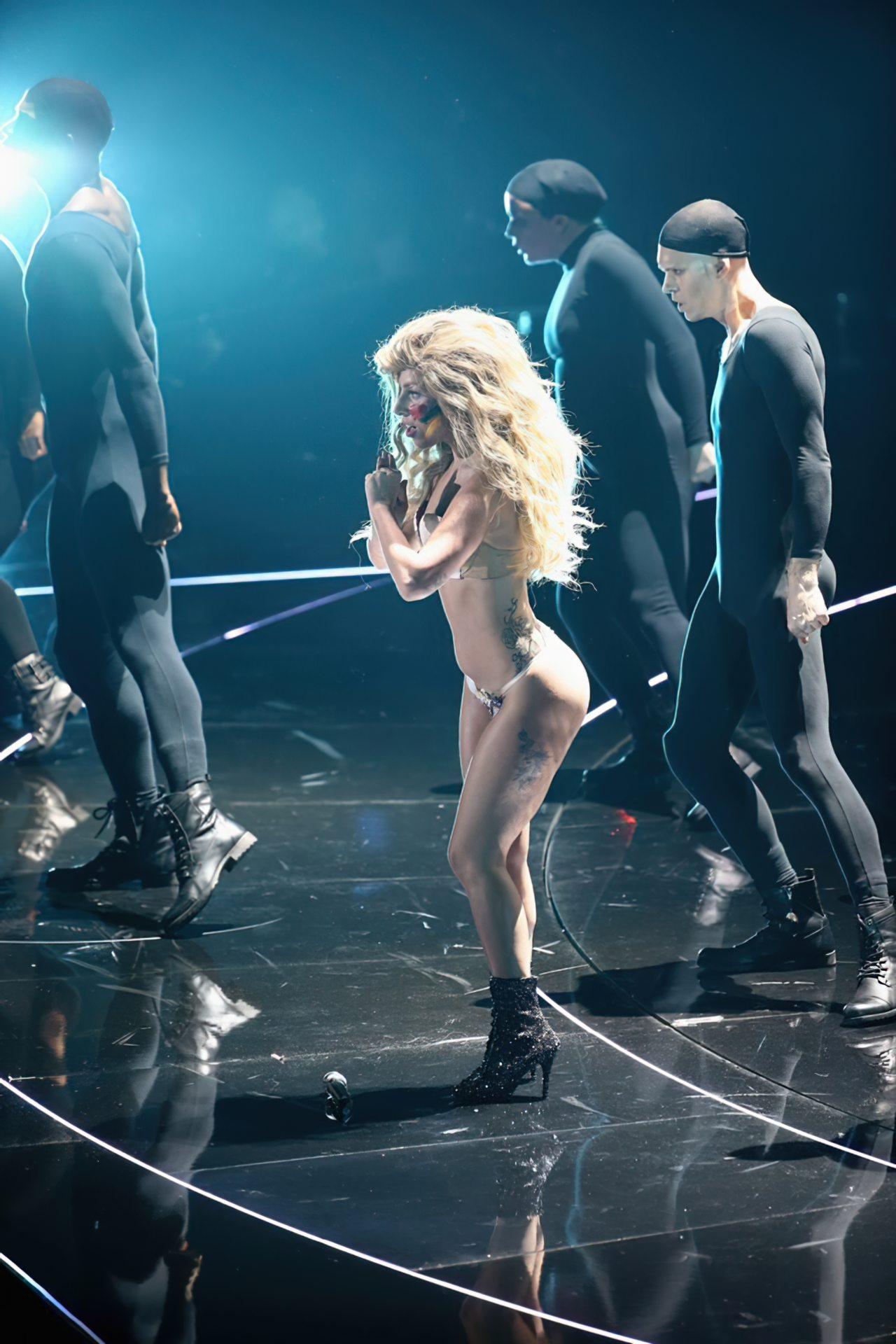 Lady Gaga Biquini (6)