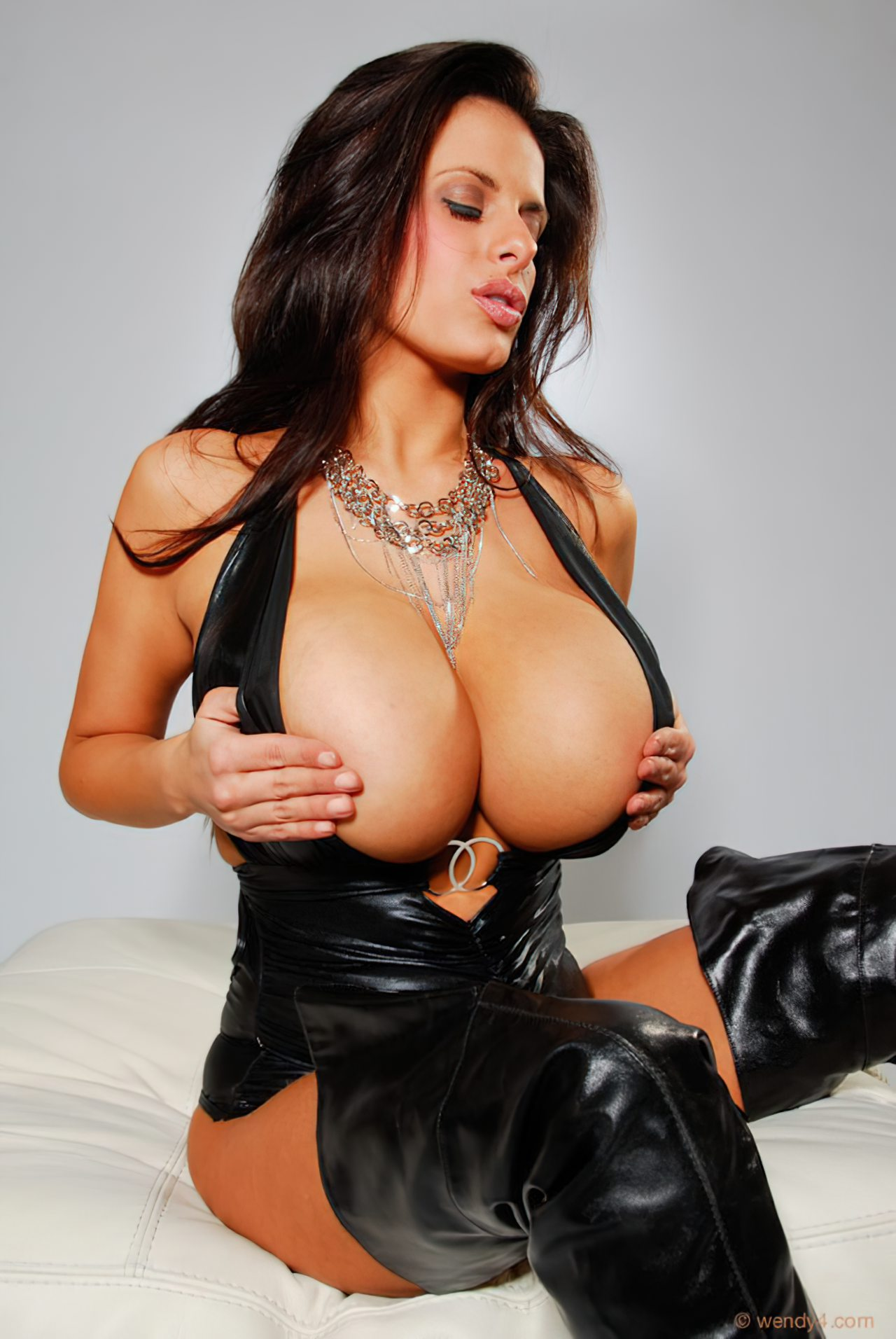 Wendy Fiore (2)
