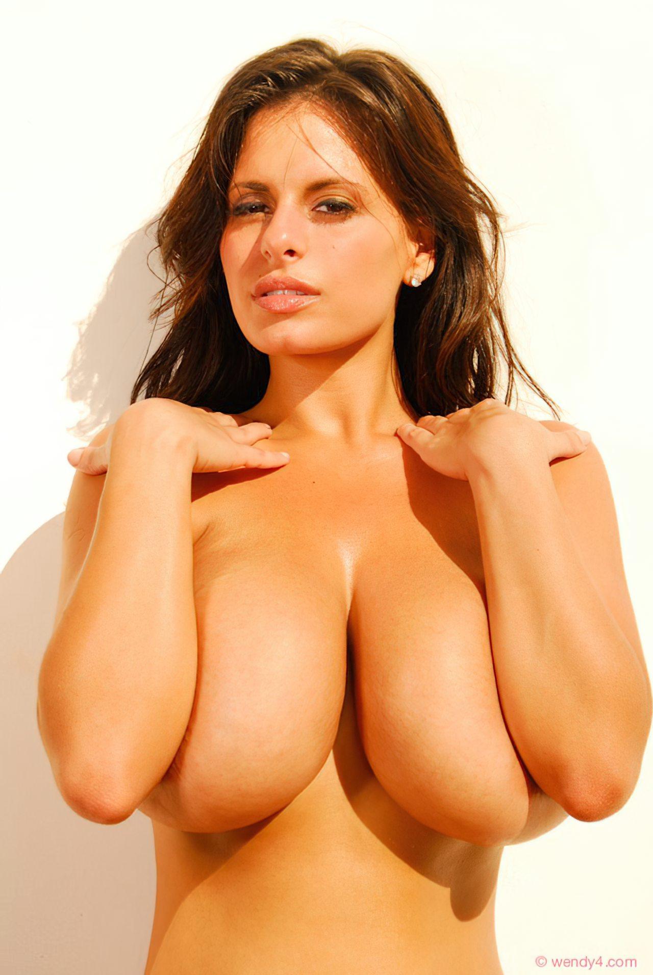 Wendy Fiore (9)