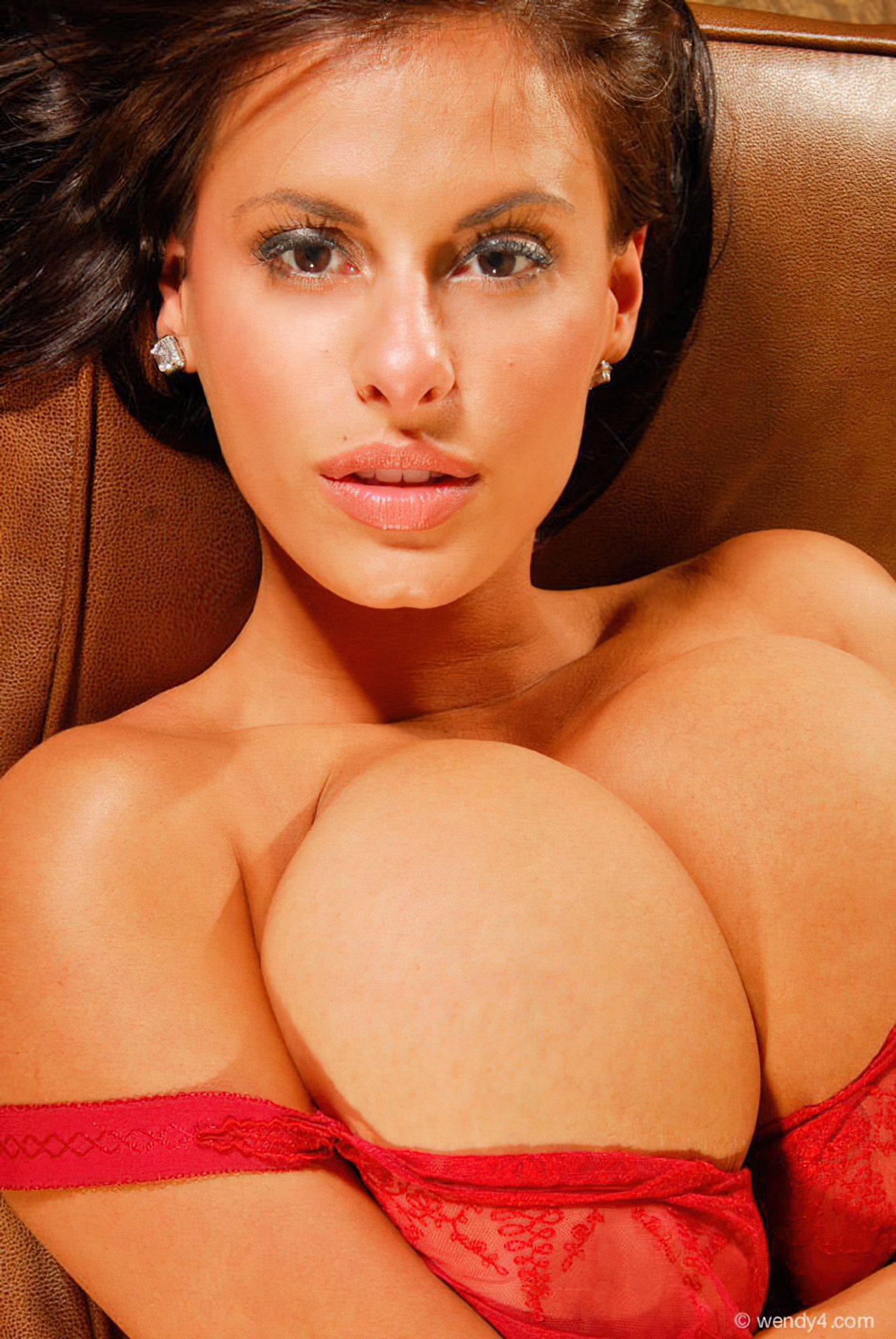 Wendy Fiore (42)