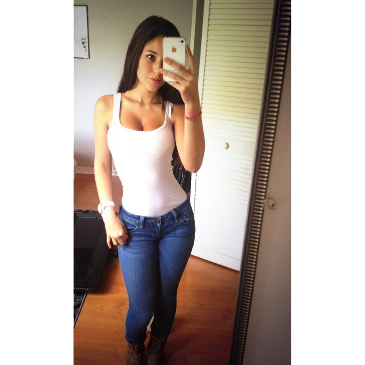 Angie Verona (33)