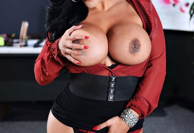 Kiara Mia