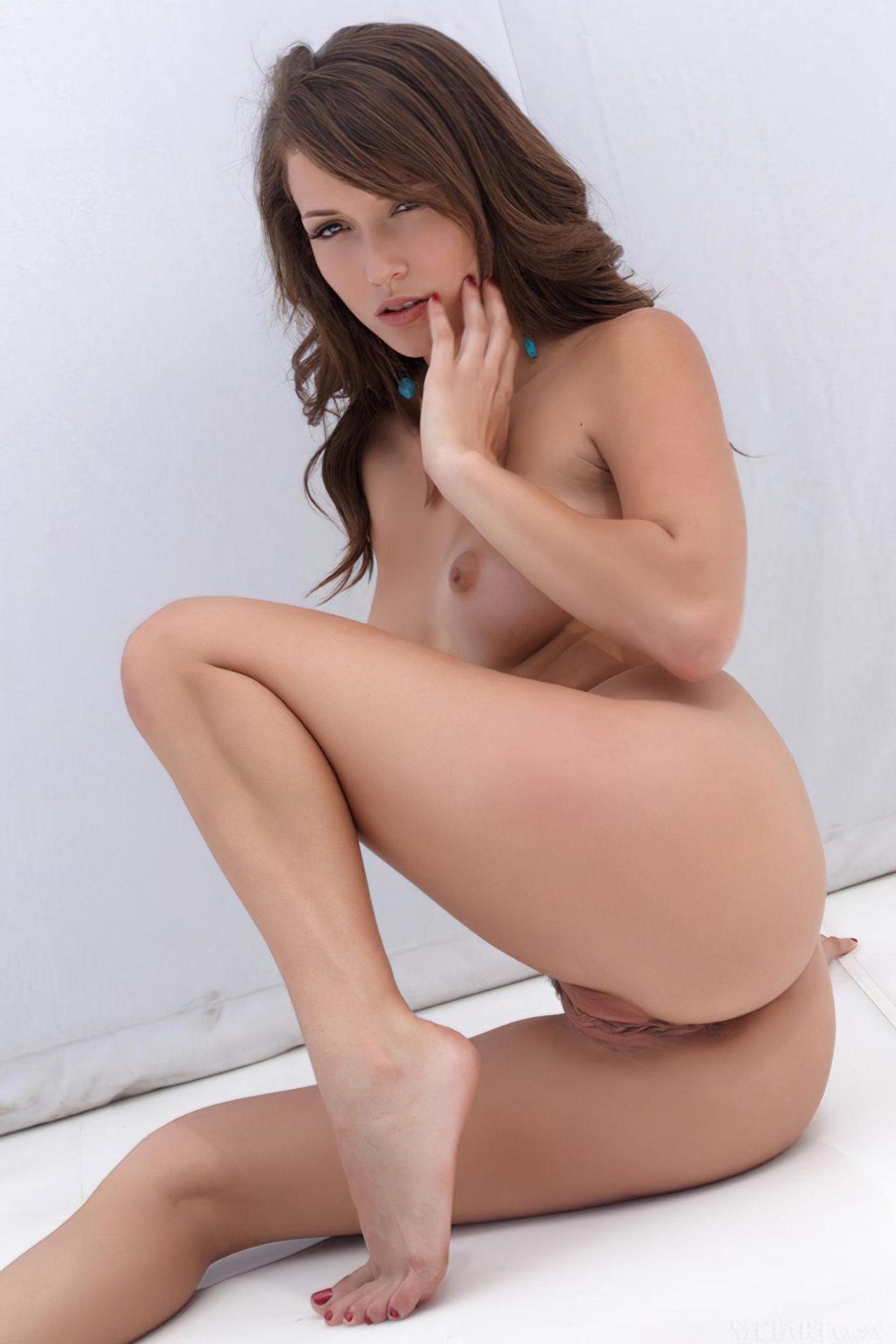 Malena Morgan (15)