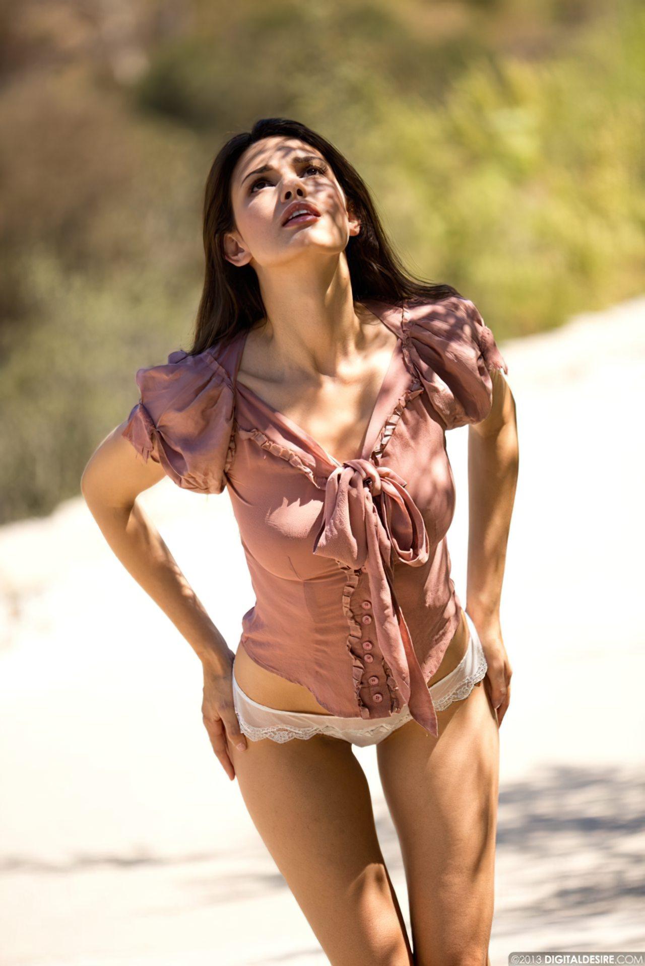 Sensual Carmen (1)
