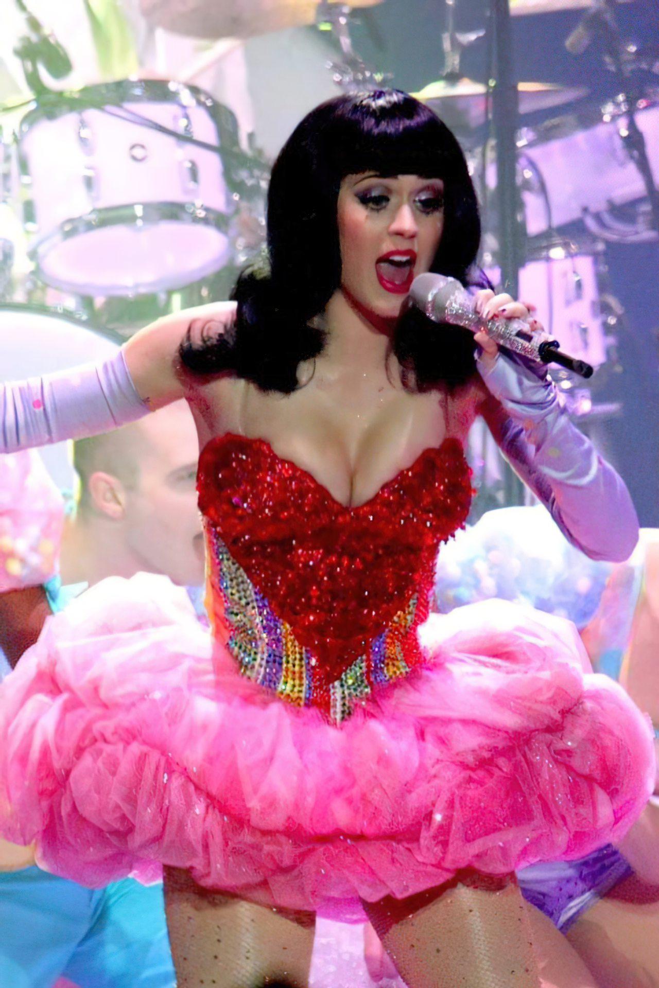 Katy Perry (34)