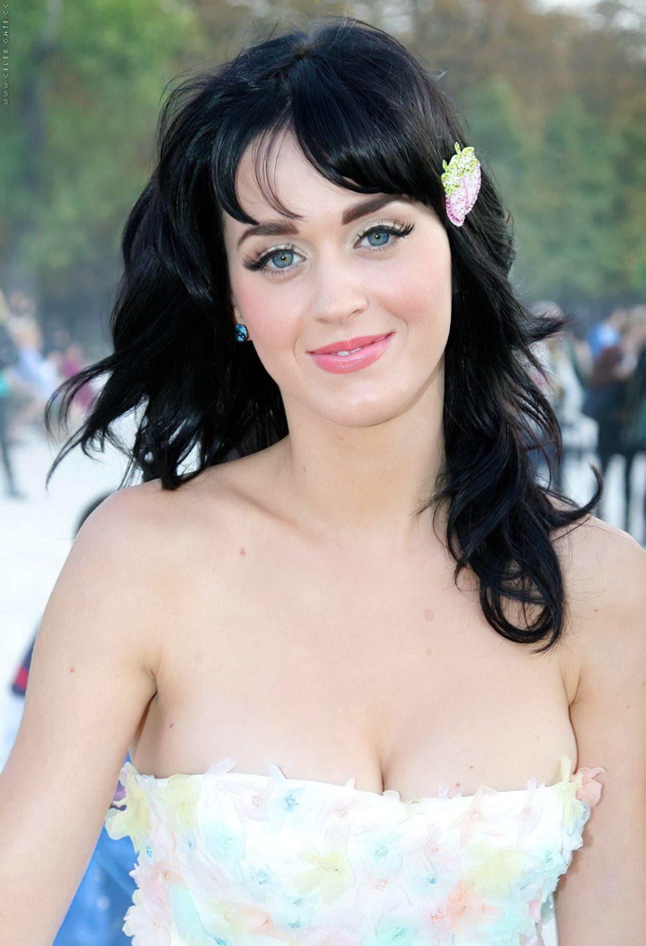 Katy Perry (42)