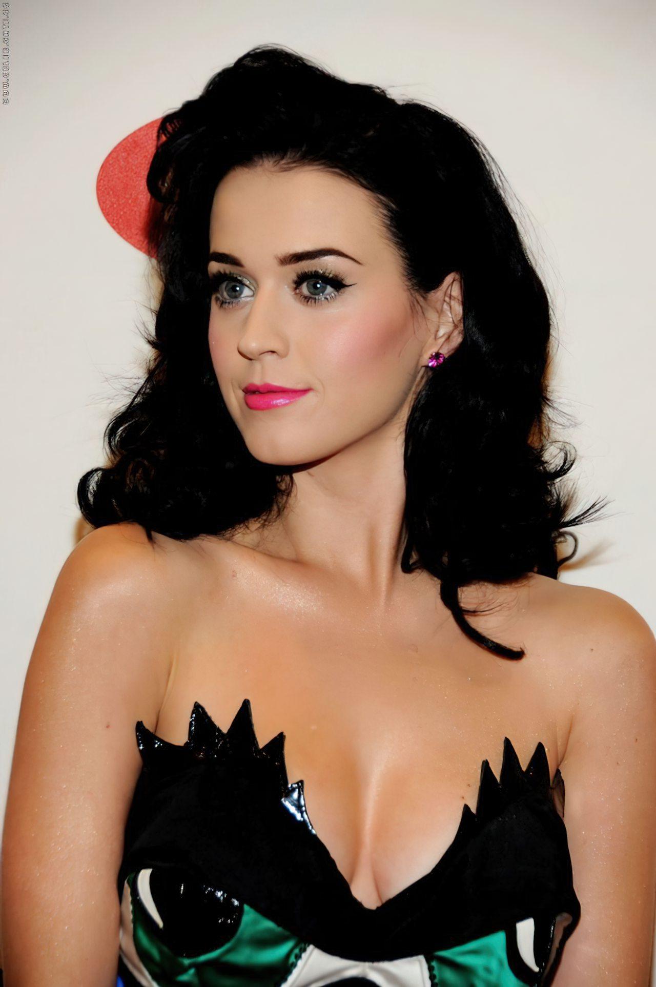 Katy Perry (47)