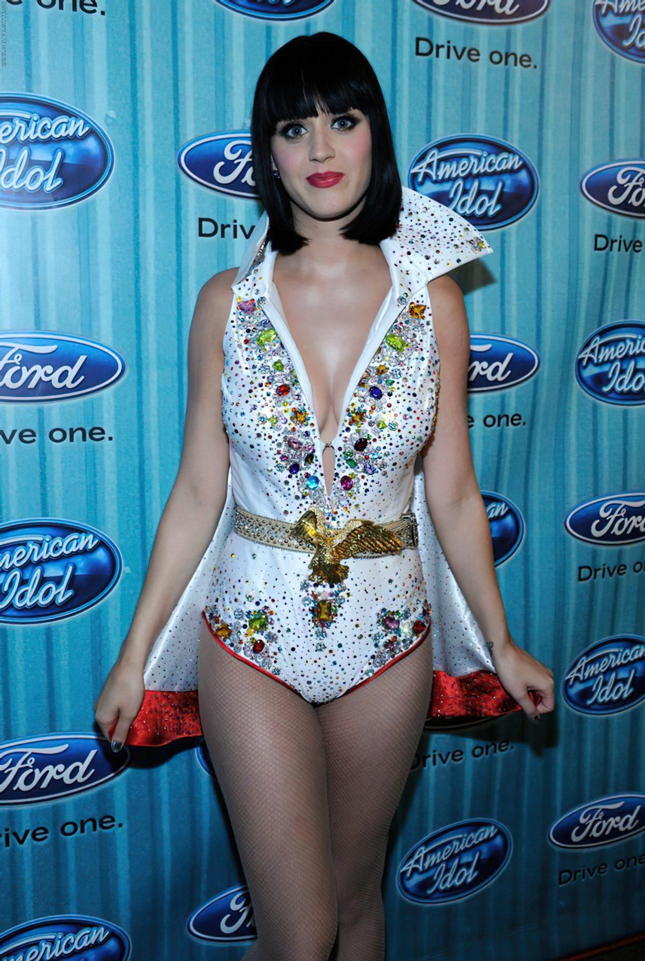 Katy Perry (57)