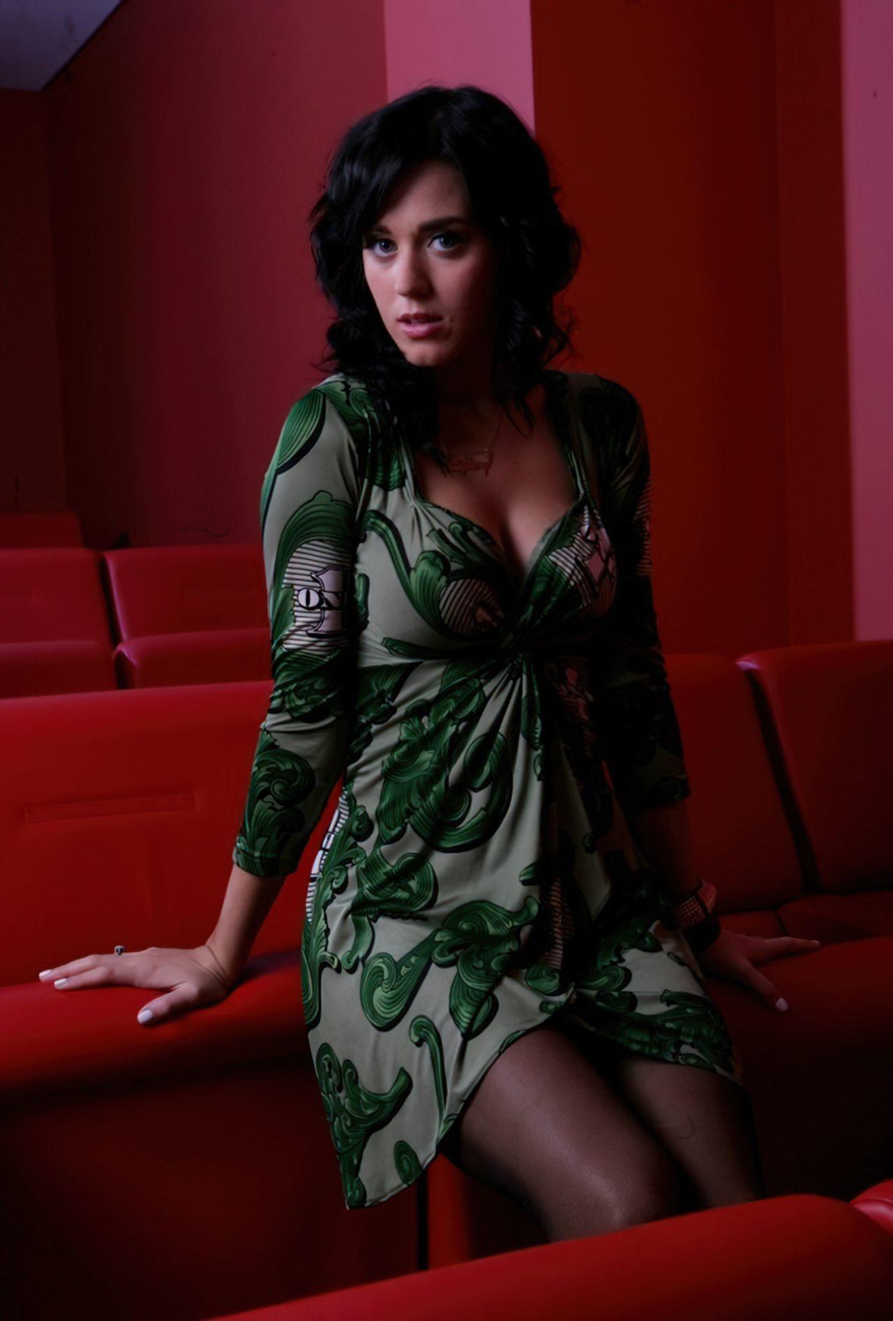 Katy Perry (59)
