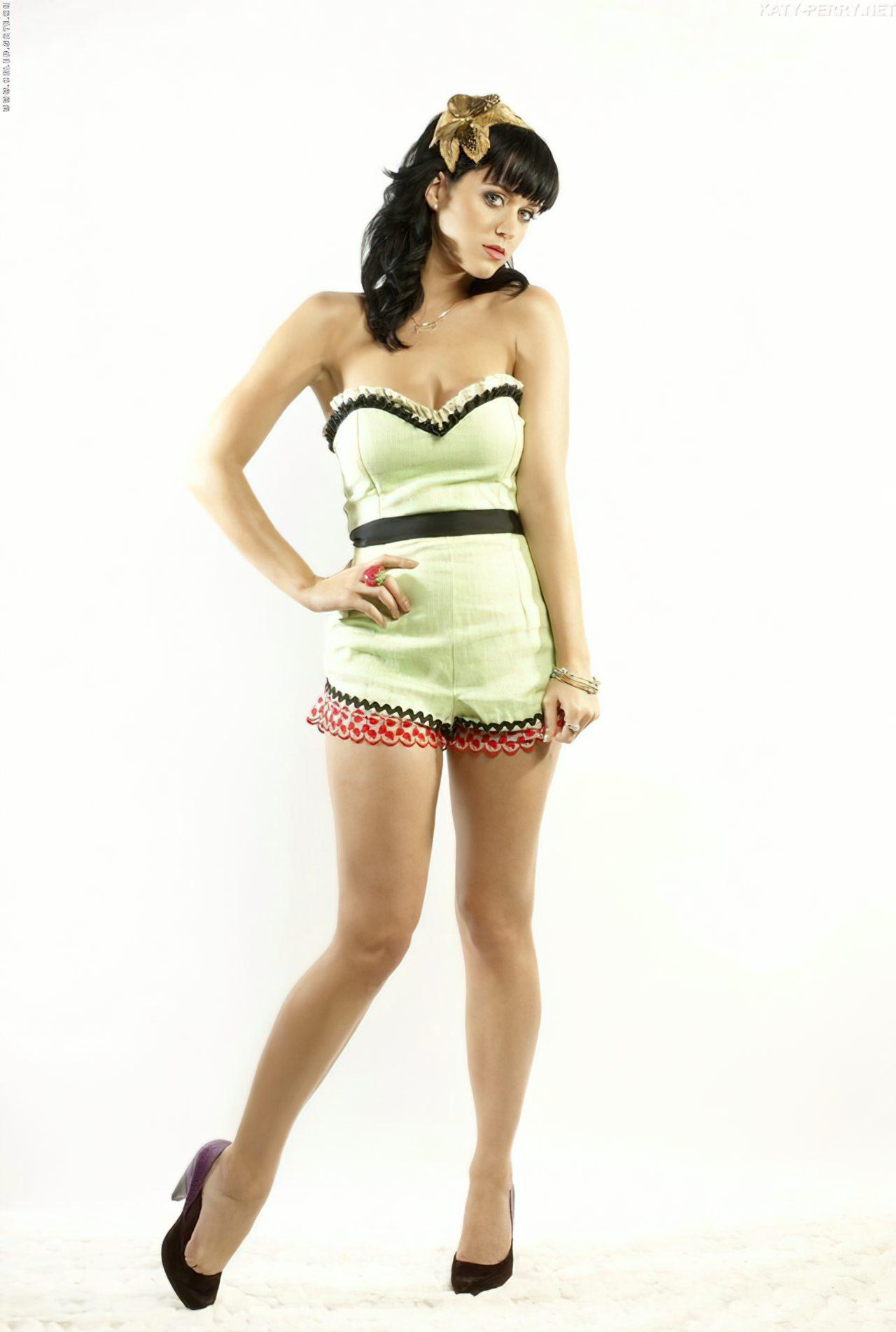 Katy Perry (60)