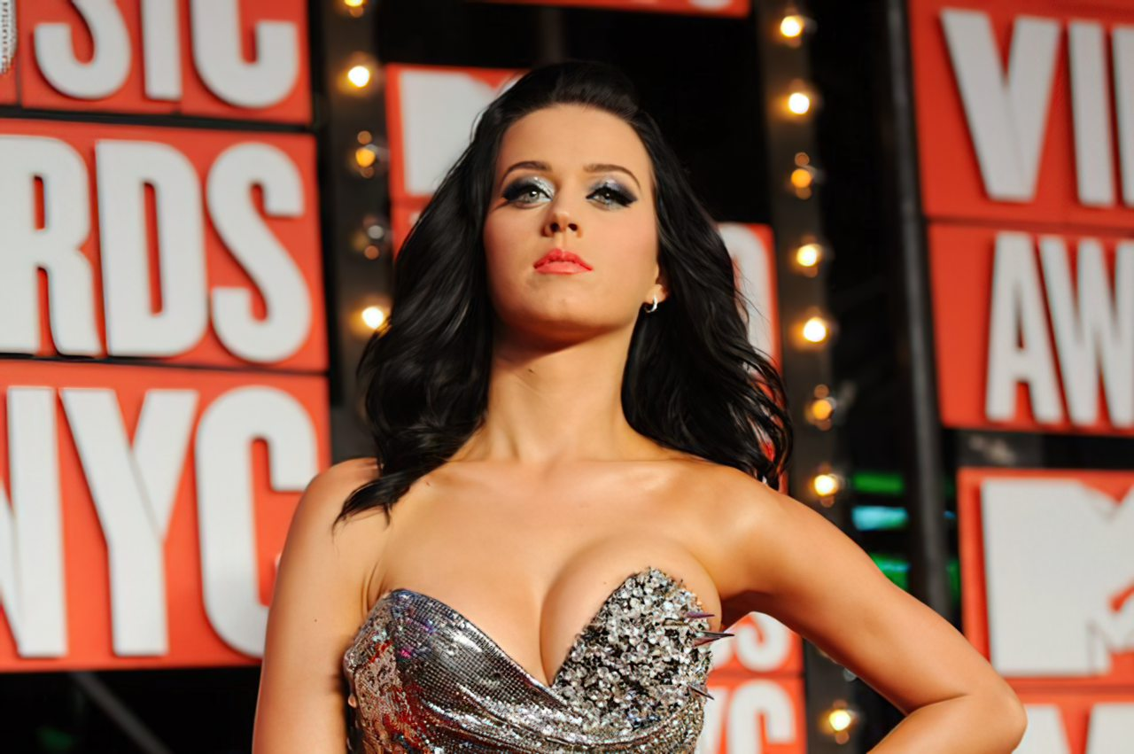Katy Perry (62)