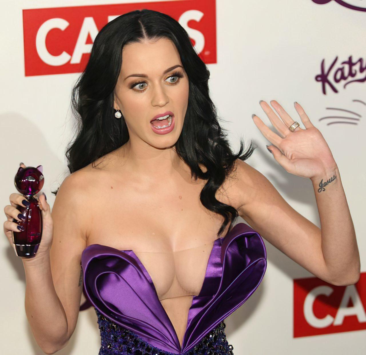 Katy Perry (66)