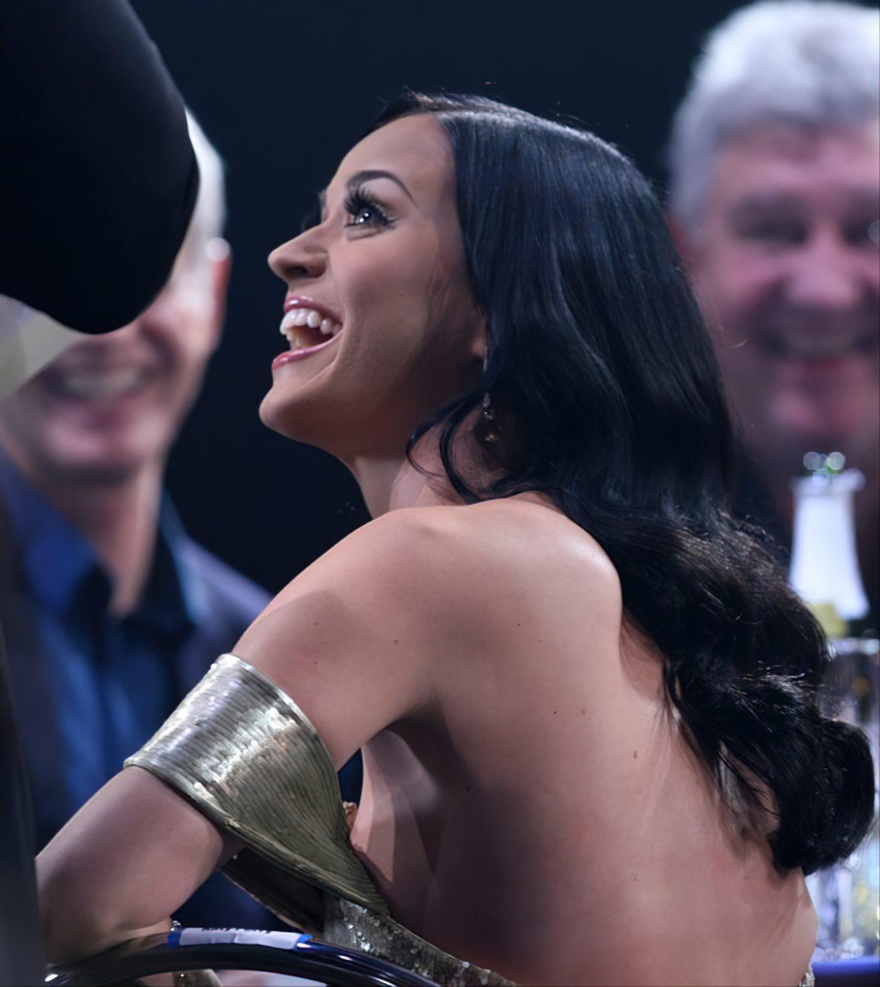Katy Perry (70)