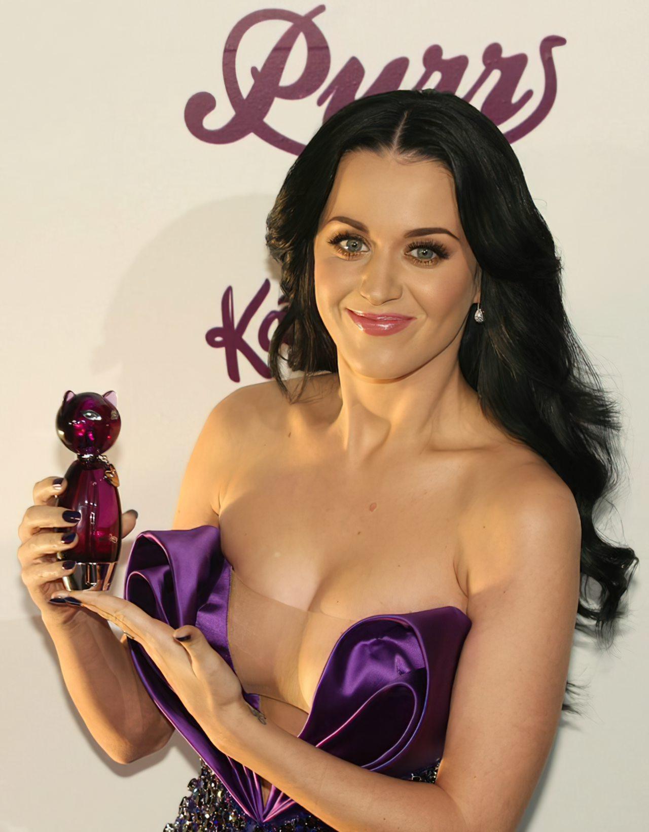 Katy Perry (75)