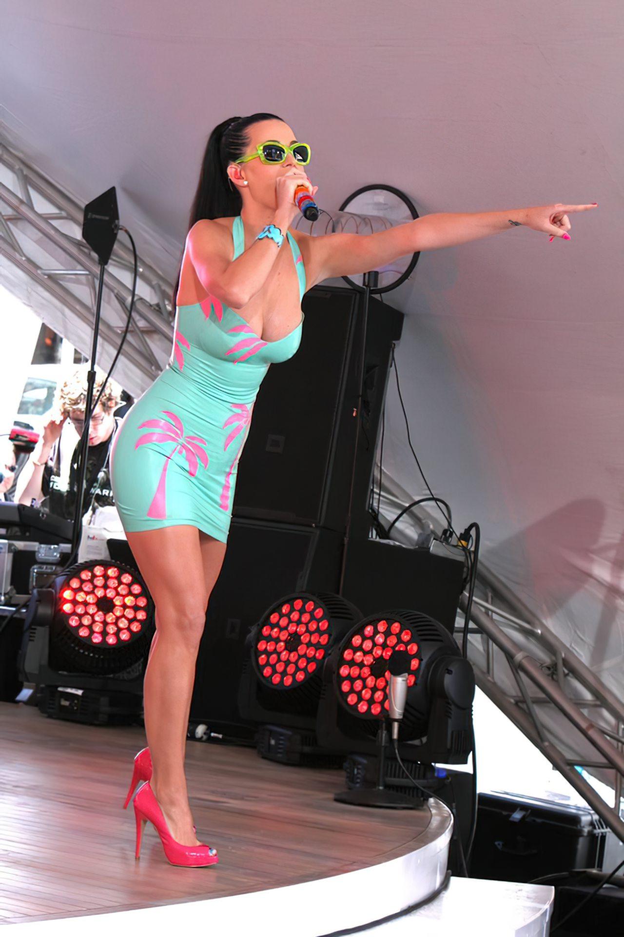 Katy Perry (76)
