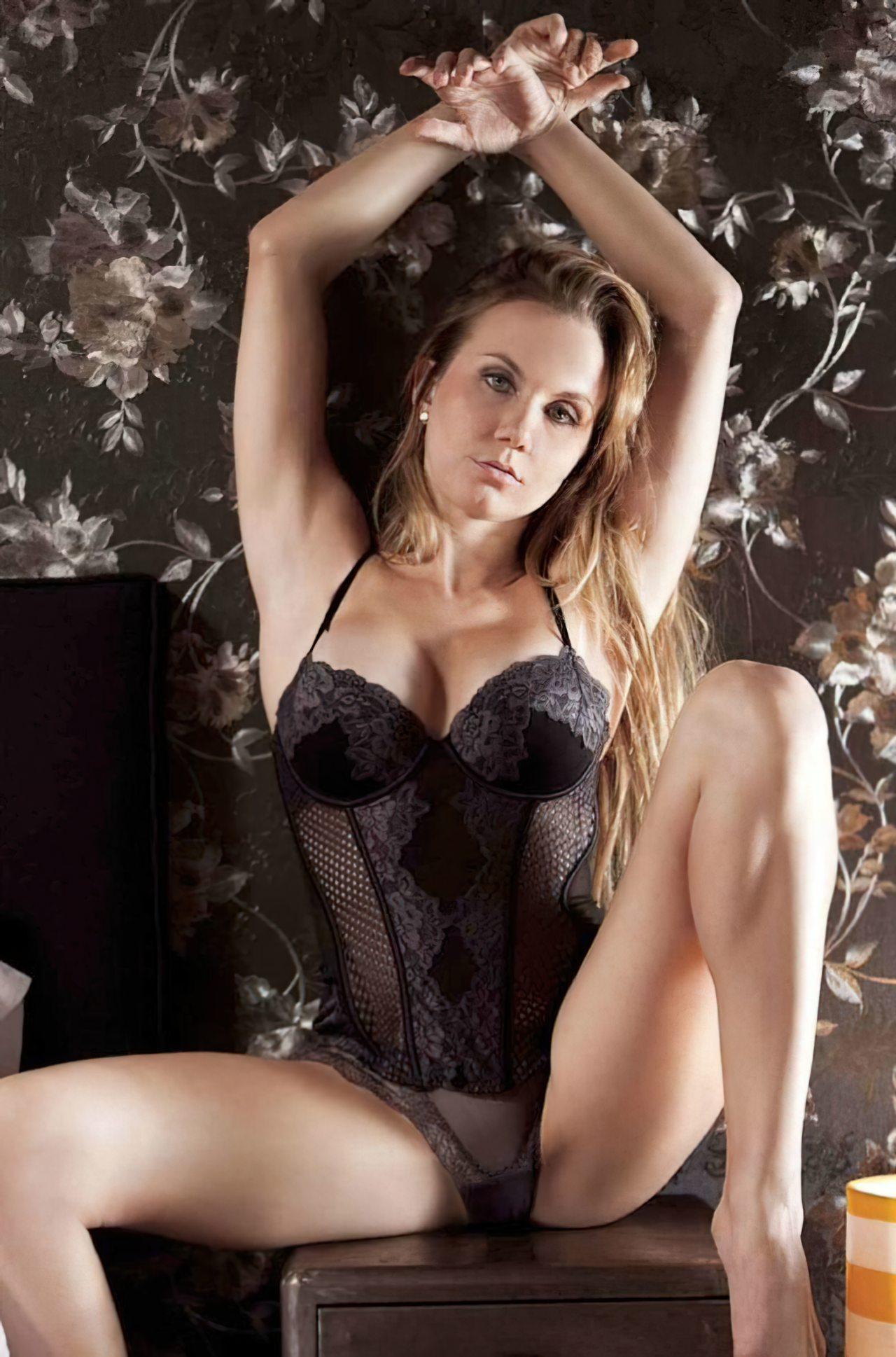 Michelle Vieth (26)