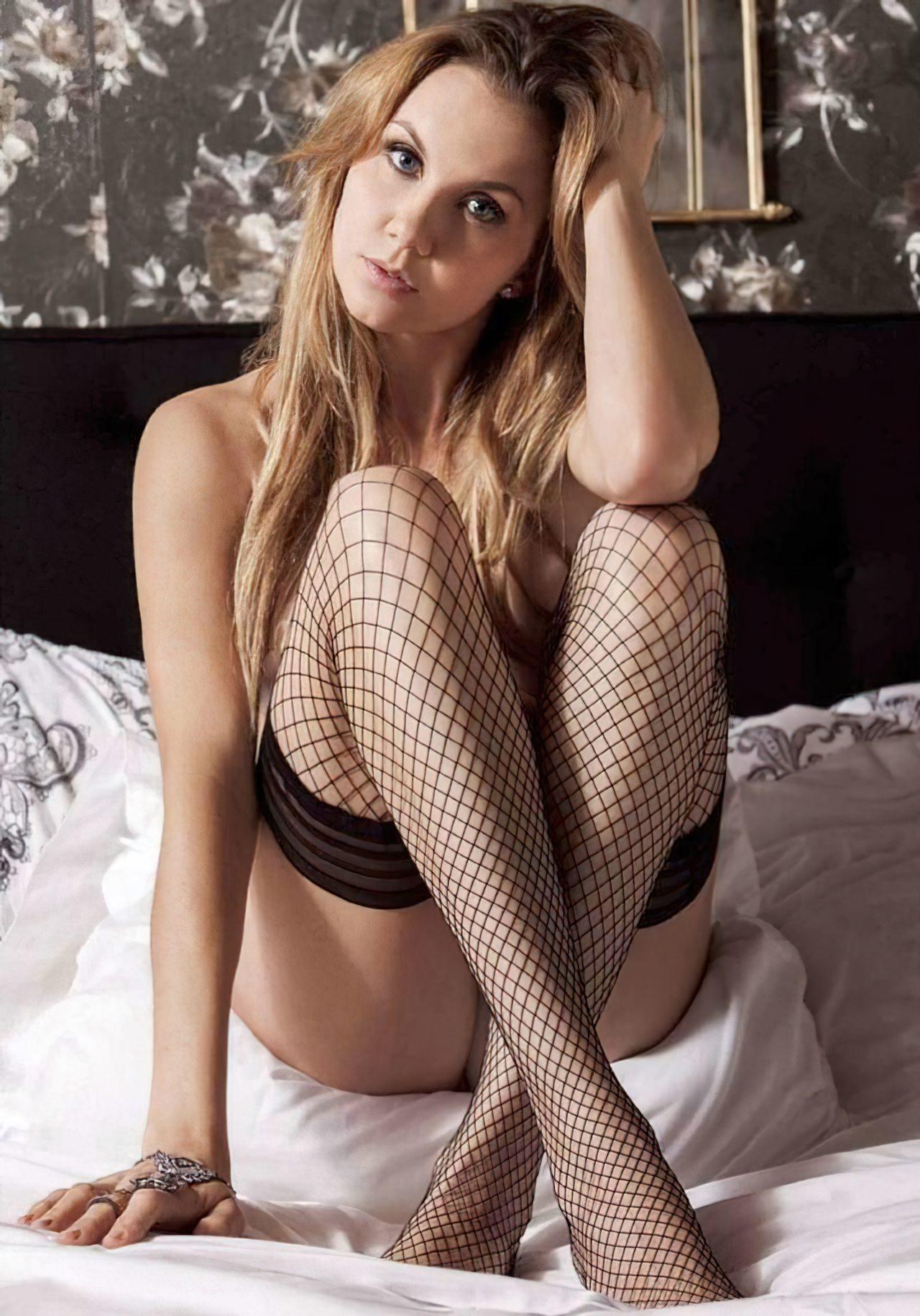 Michelle Vieth (32)