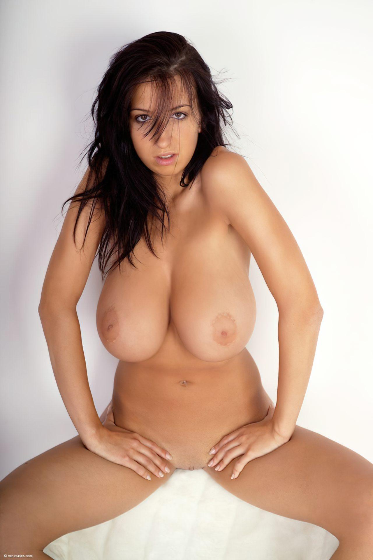 Jana Defi Boobs Bust Out