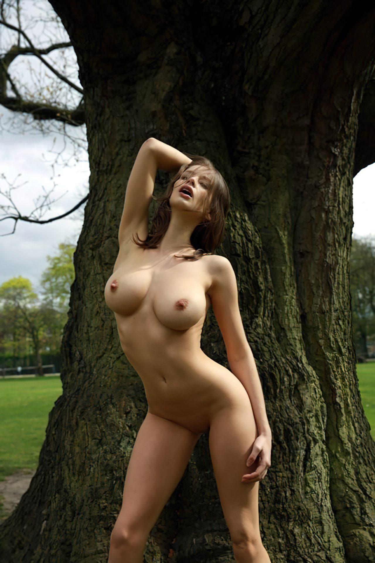 Mulher Inglesa Nua (1)