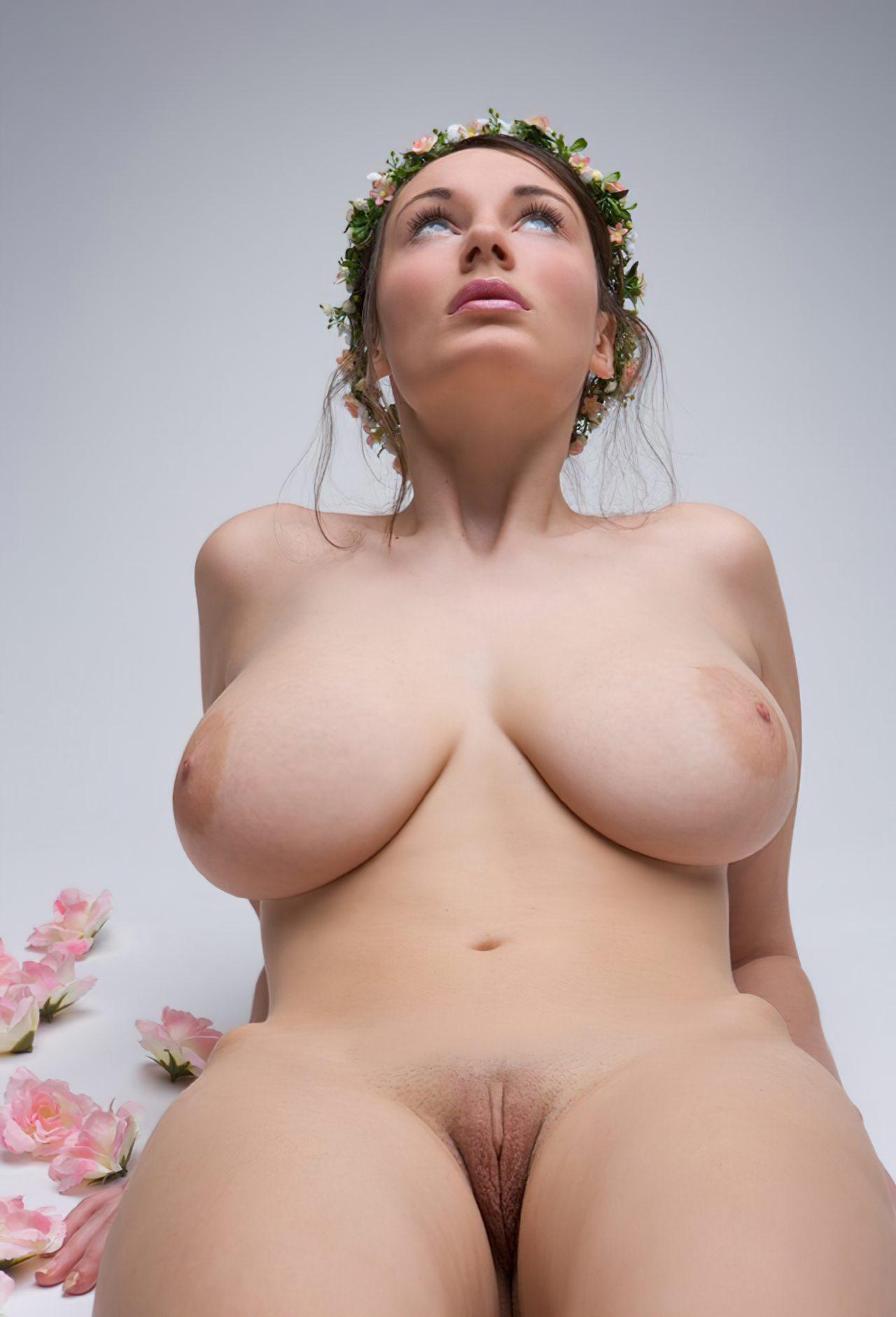 Mulher Pelada com Peitos Grandes
