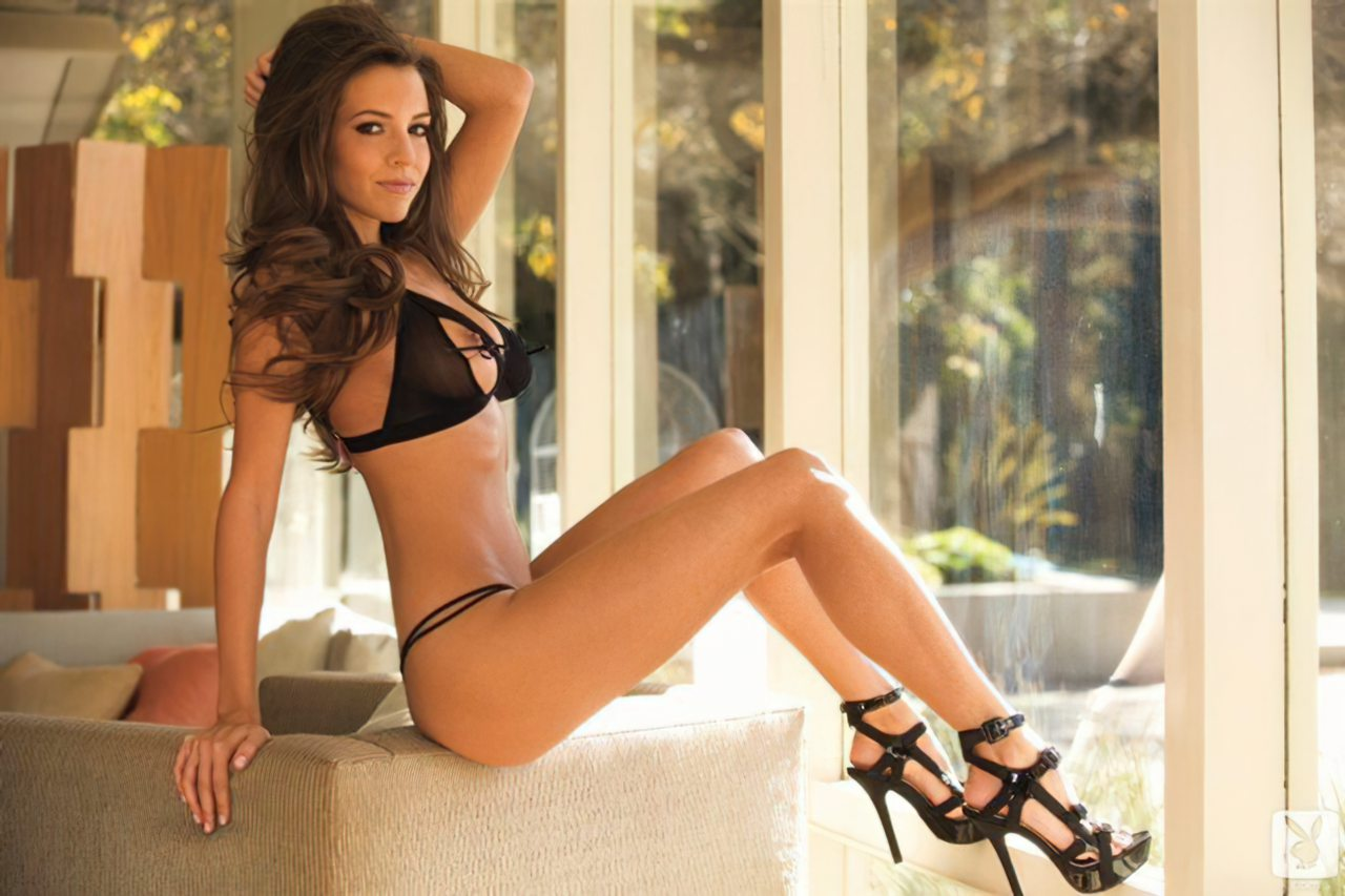 Shelby Chesnes (28)