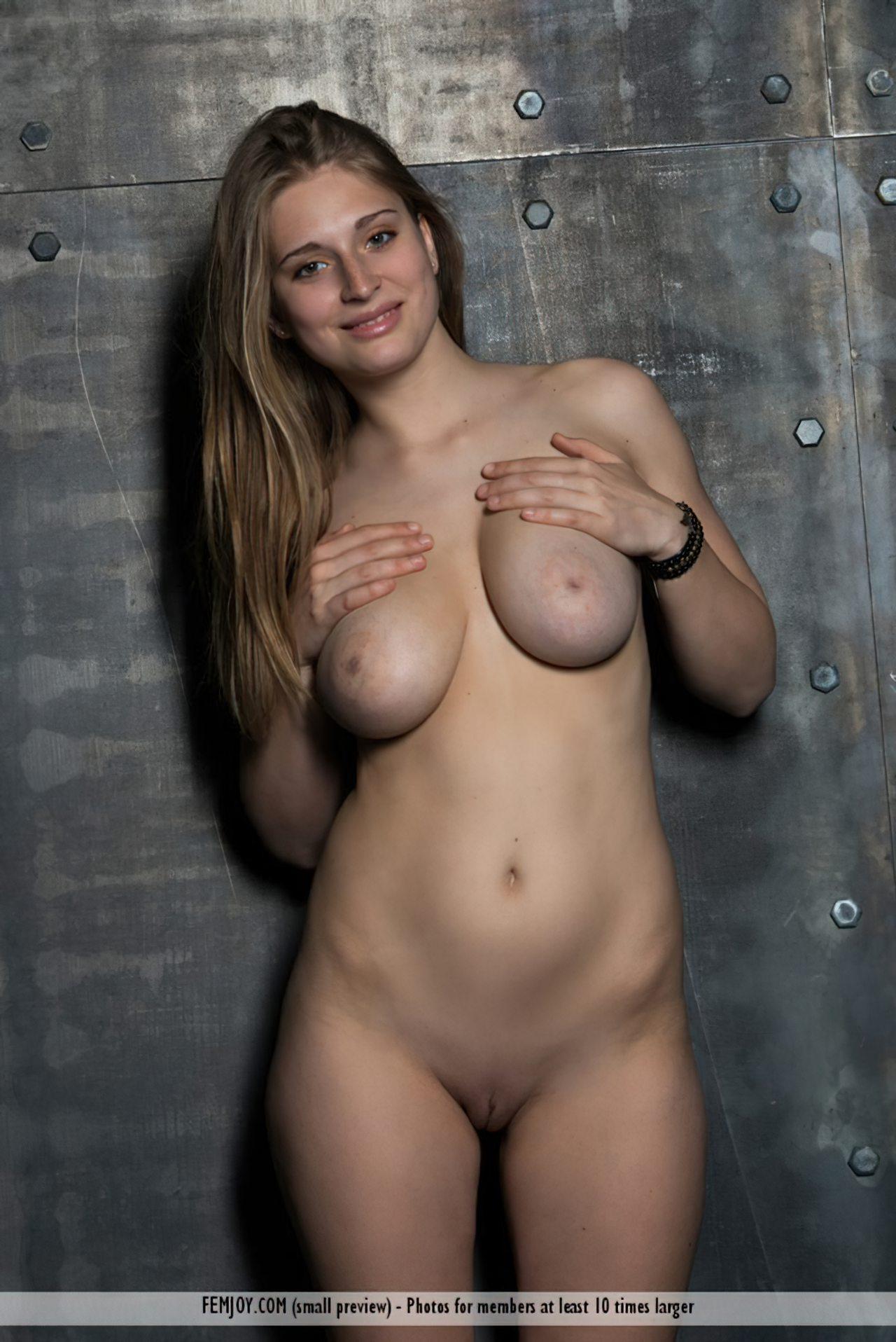 Bella (14)