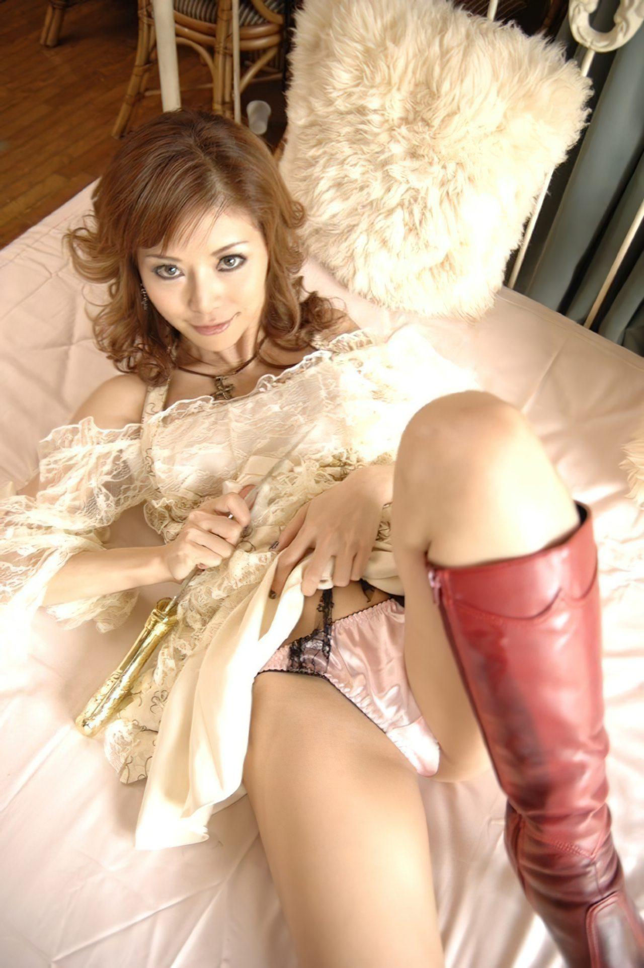 Japonesa Madura (2)