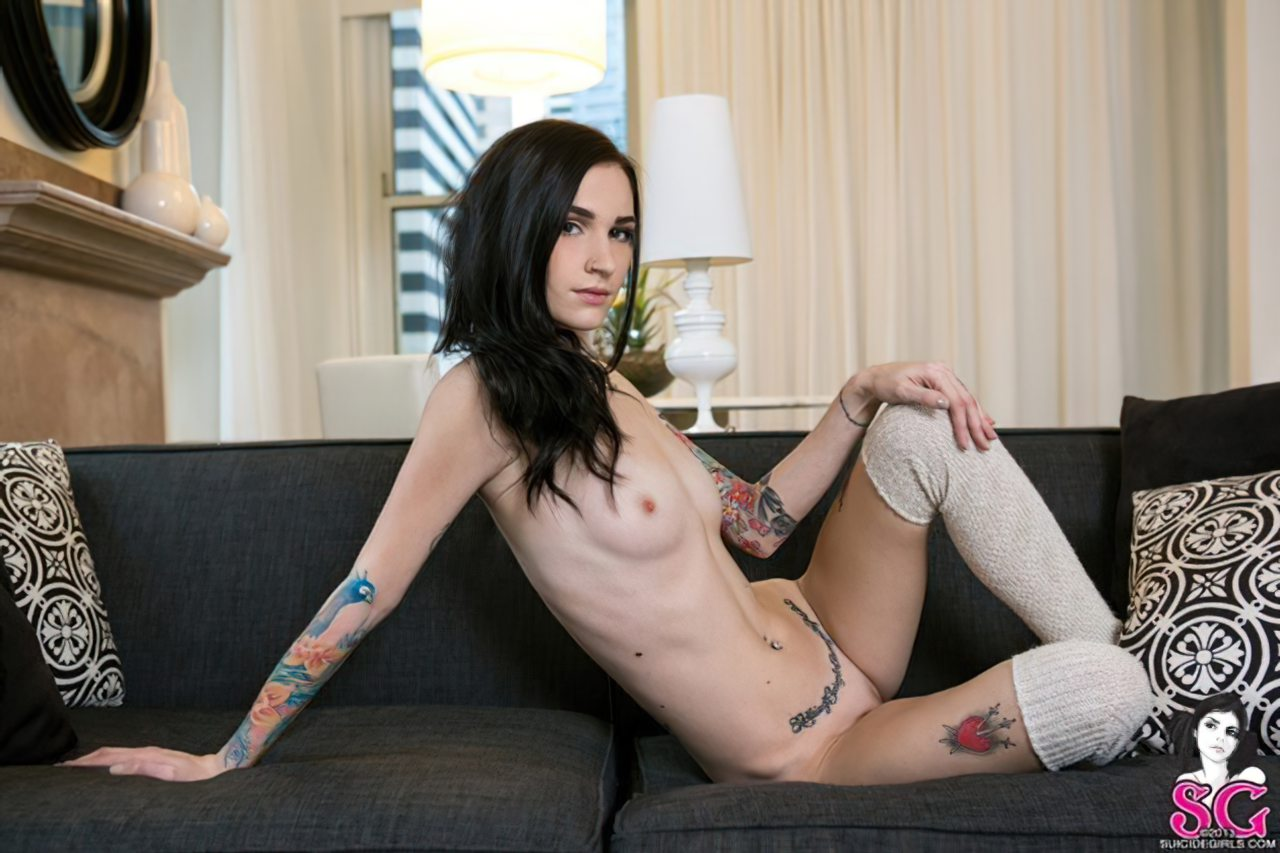 Luxette - Suicide Girl (3)