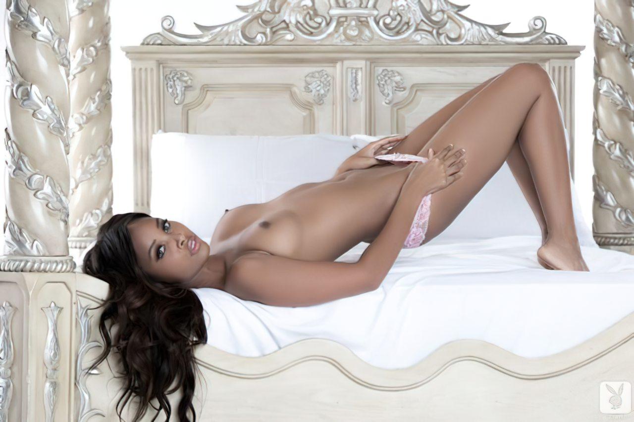 Phoenix Skye na Playboy (13)