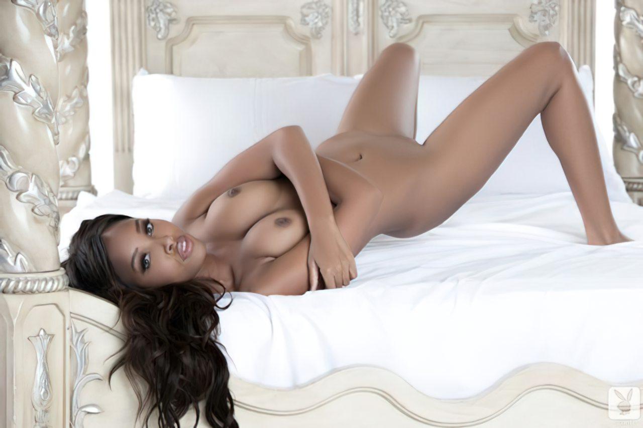 Phoenix Skye na Playboy (17)