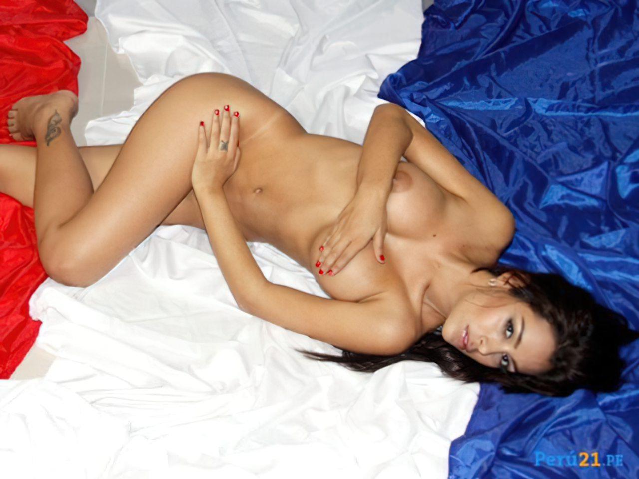 Larissa Riquelme Nua (24)