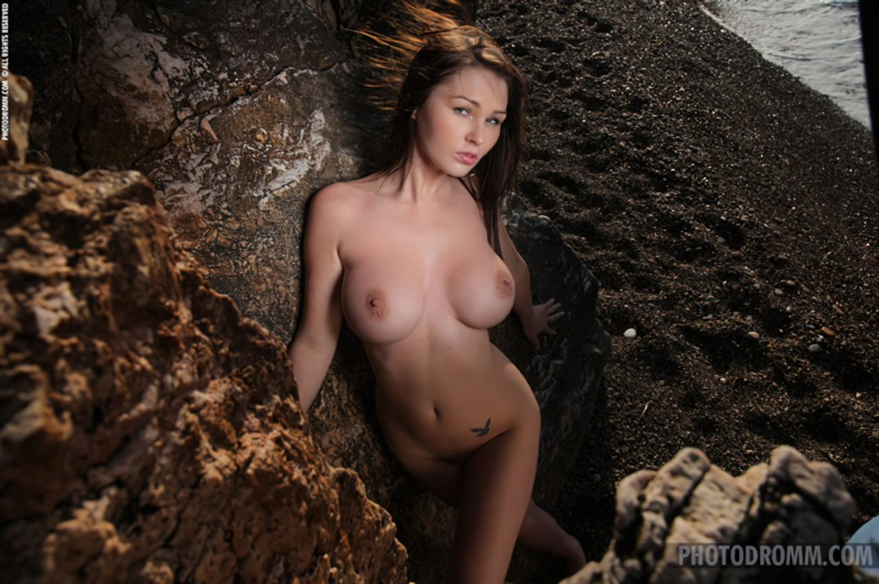 Mulher Nua Praia (11)