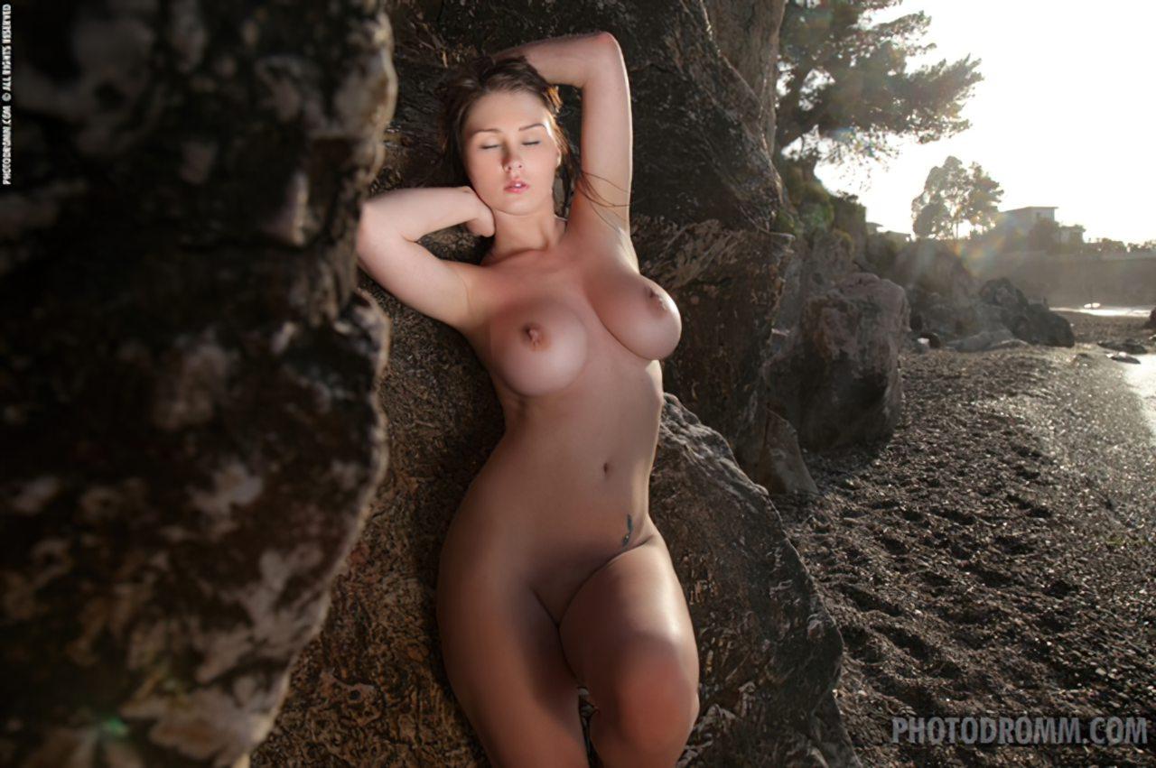Mulher Nua Praia (12)