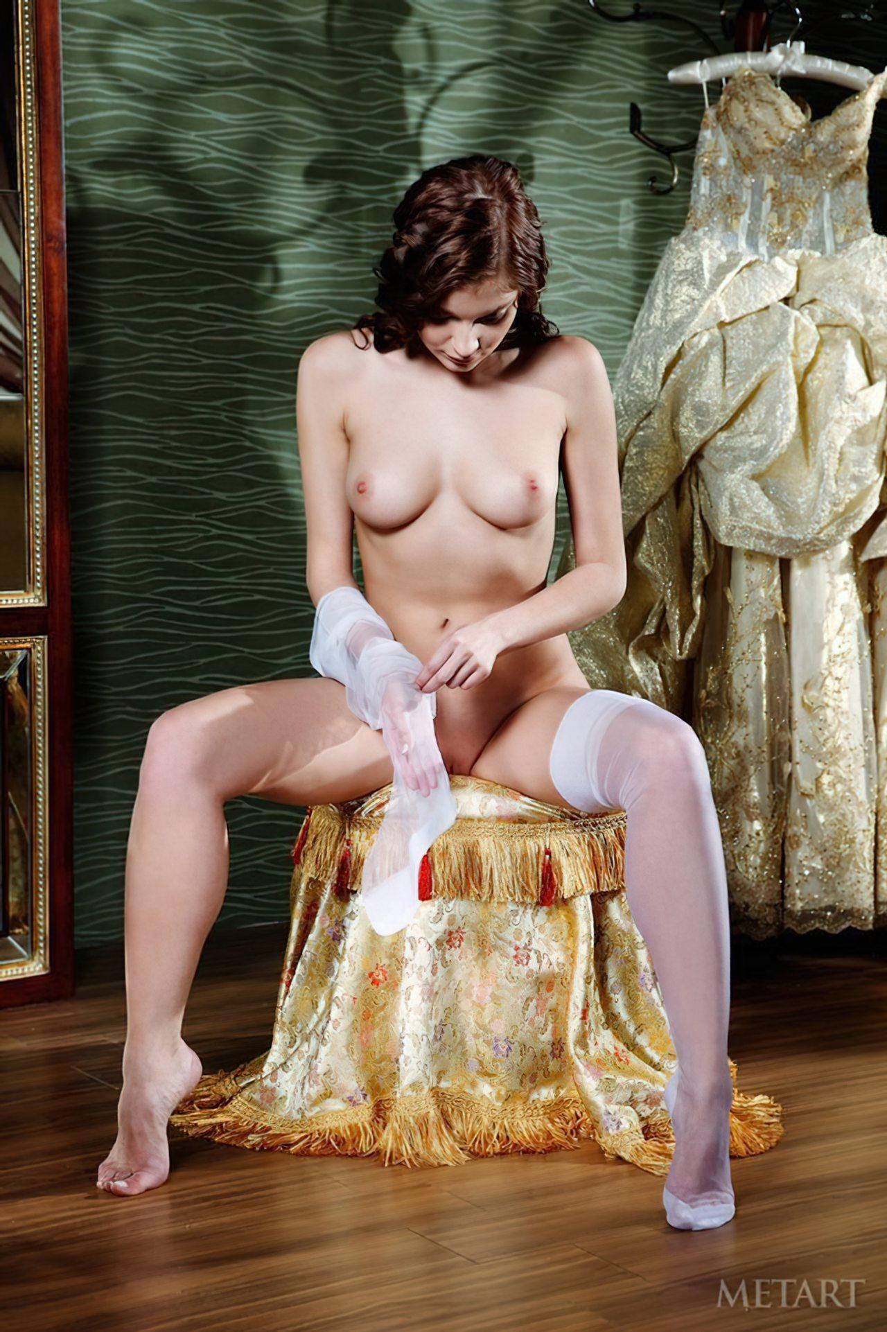 Novinha Vestindo Roupa (19)