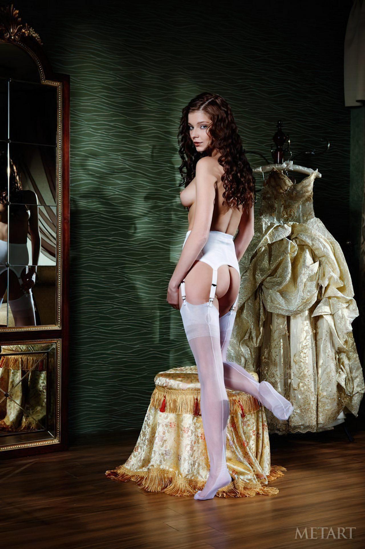 Novinha Vestindo Roupa (31)