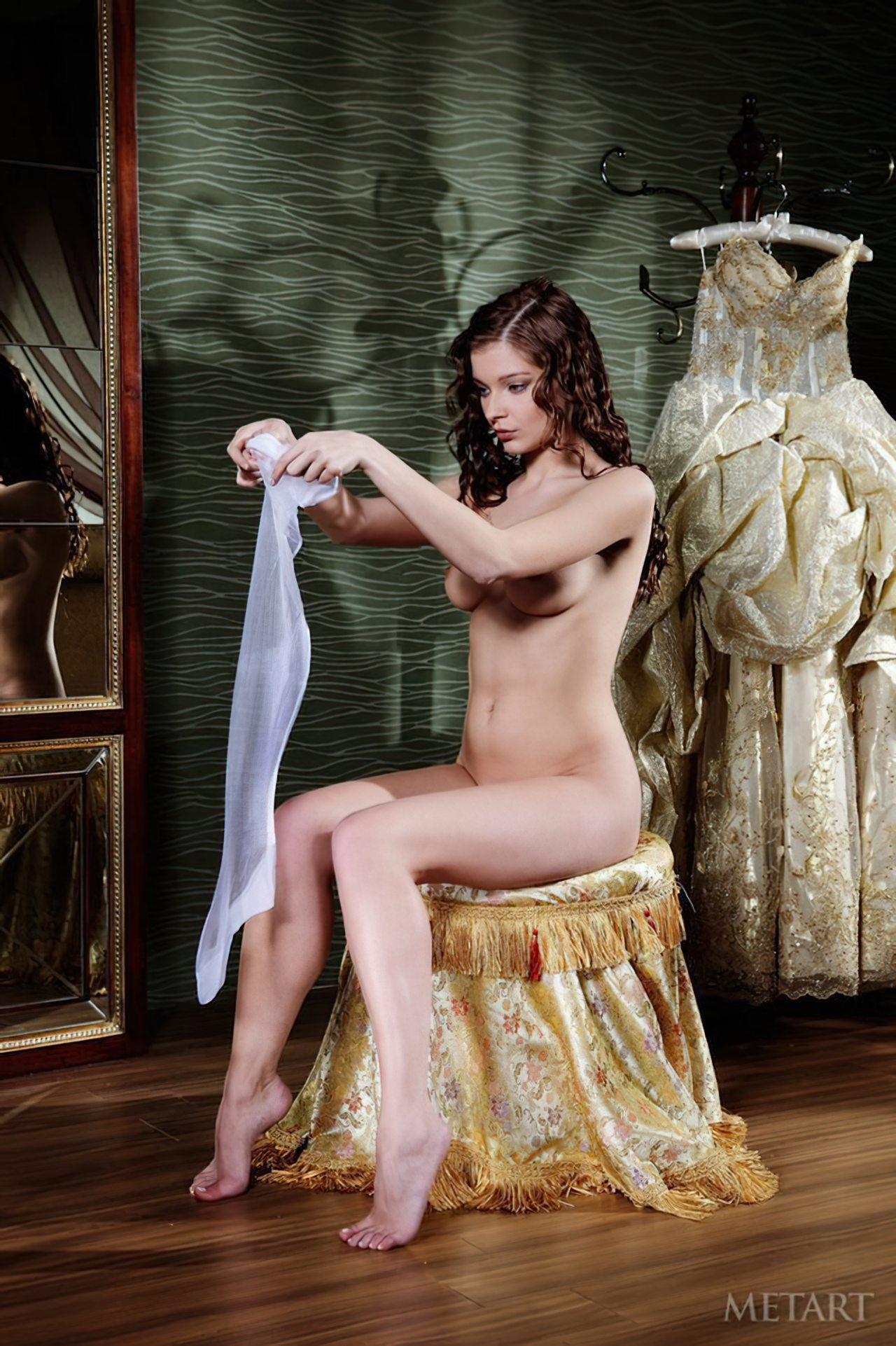 Novinha Vestindo Roupa (4)