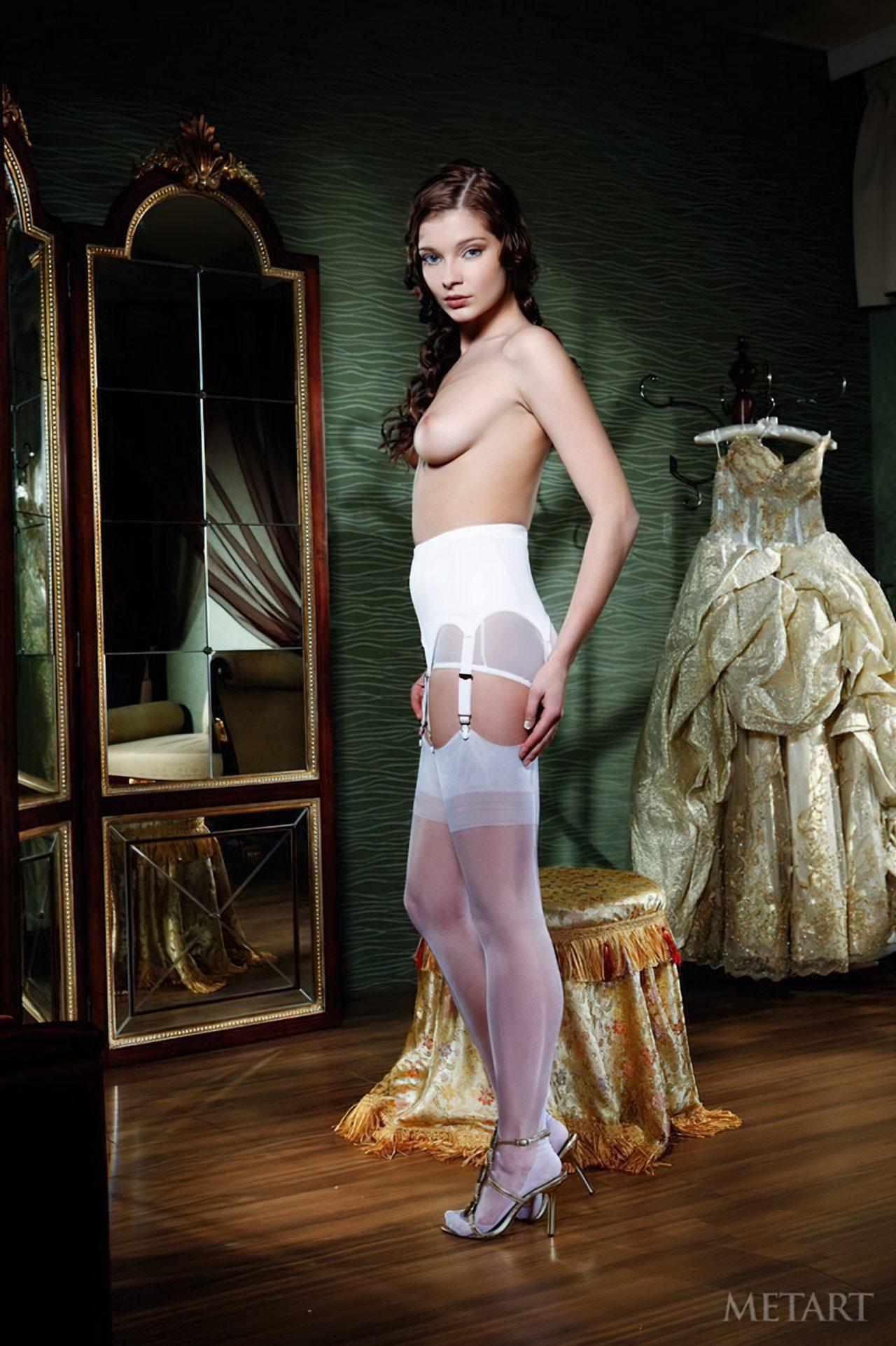 Novinha Vestindo Roupa (57)