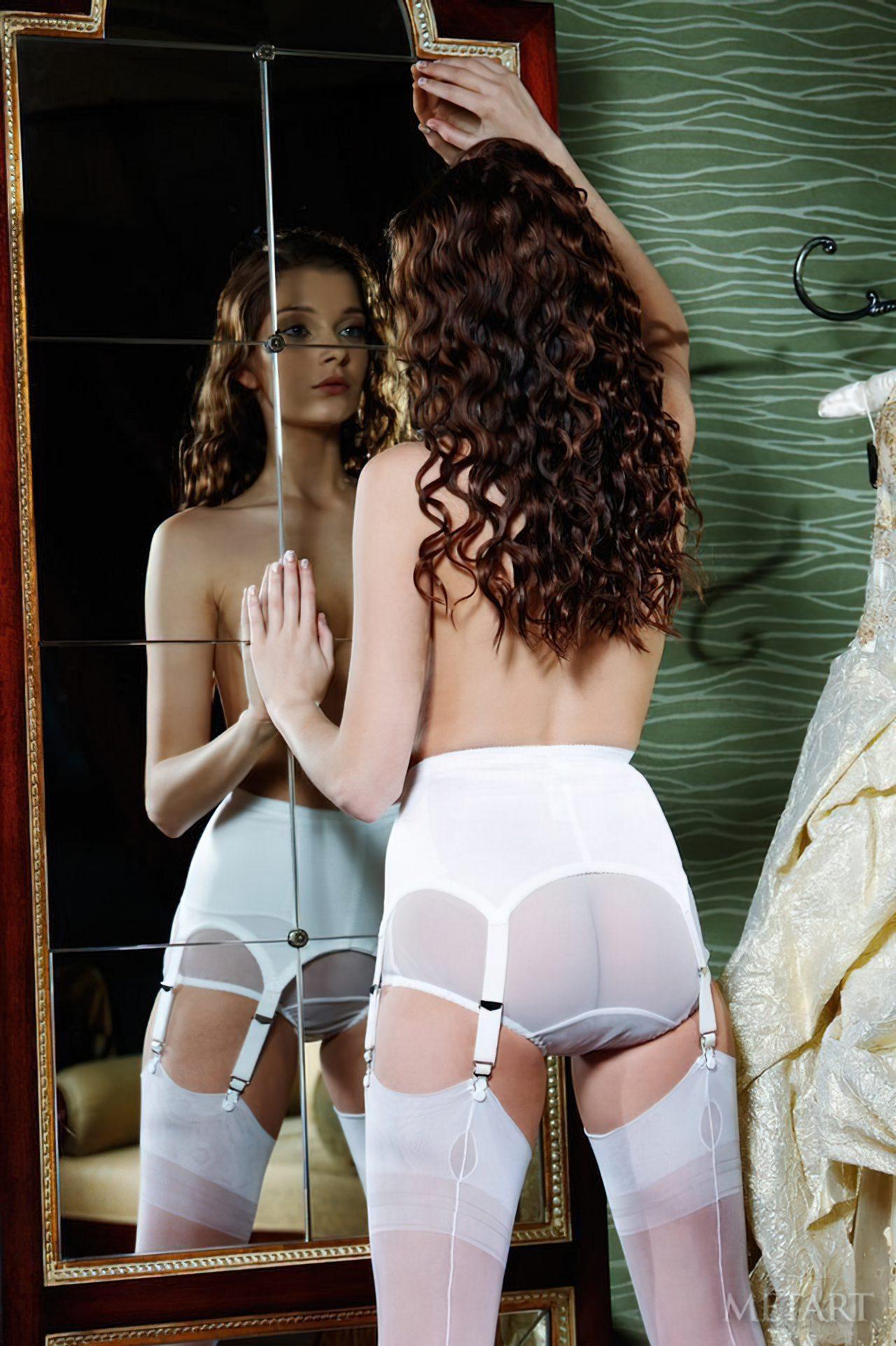 Novinha Vestindo Roupa (63)