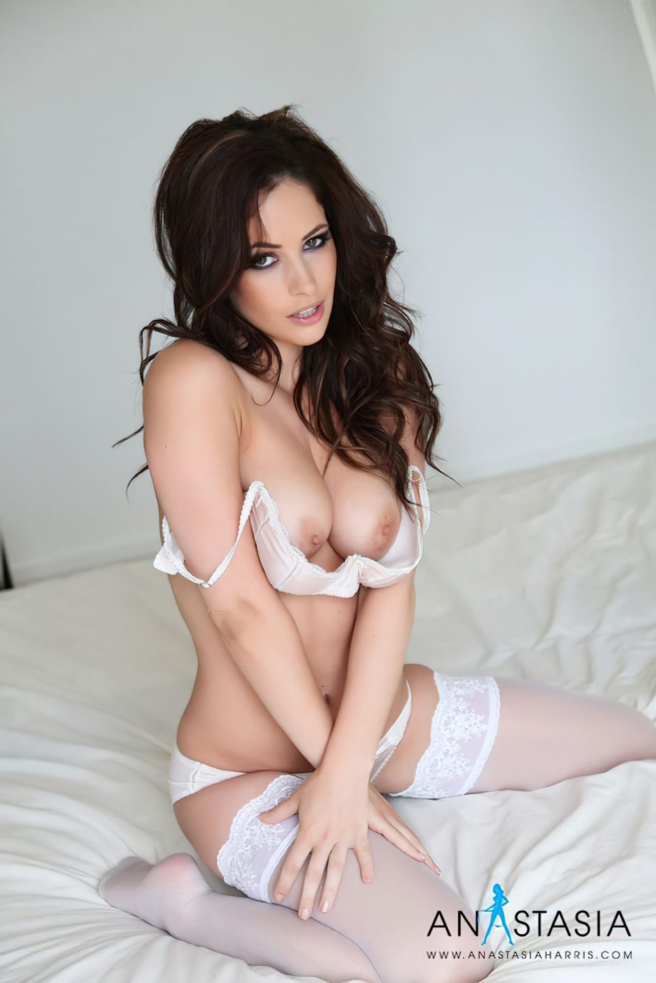 Anastasia Harris (28)
