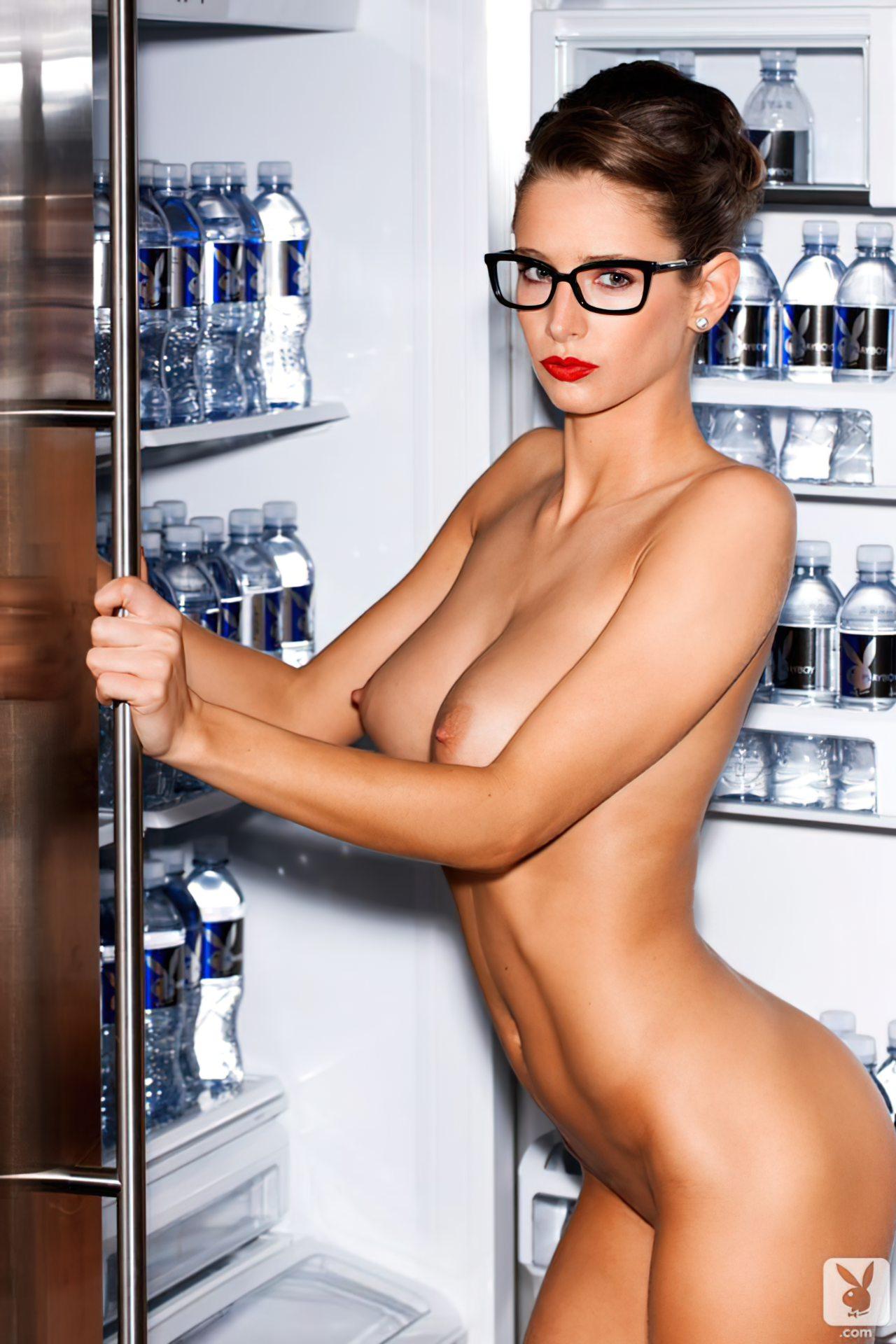Emily Agnes na Playboy (13)
