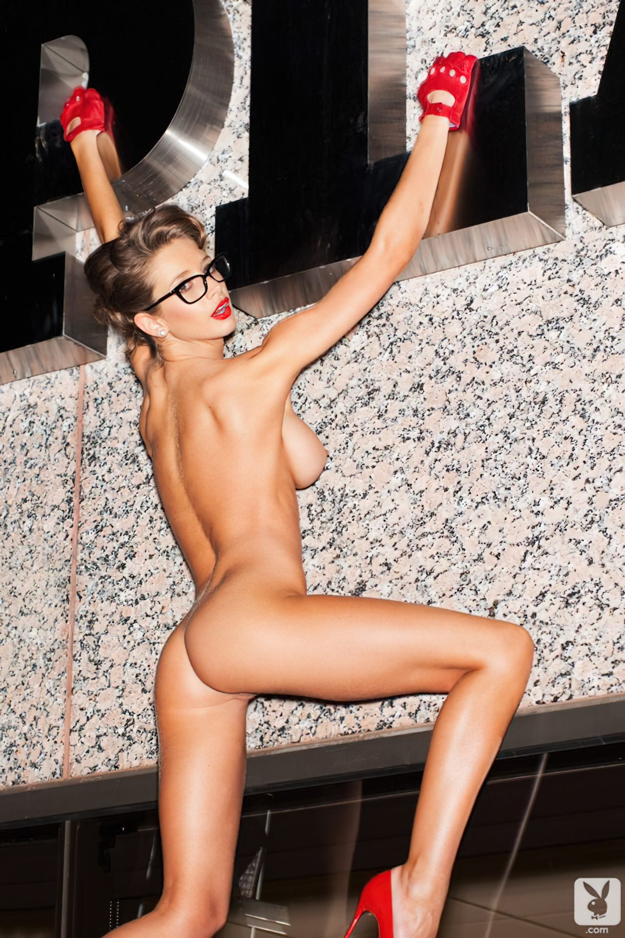 Emily Agnes na Playboy (5)